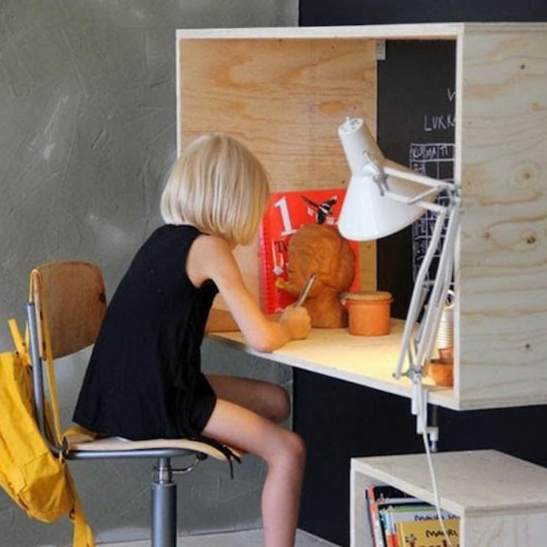 Things to Consider when Constructing DIY Sit-Stand Desk for Kids