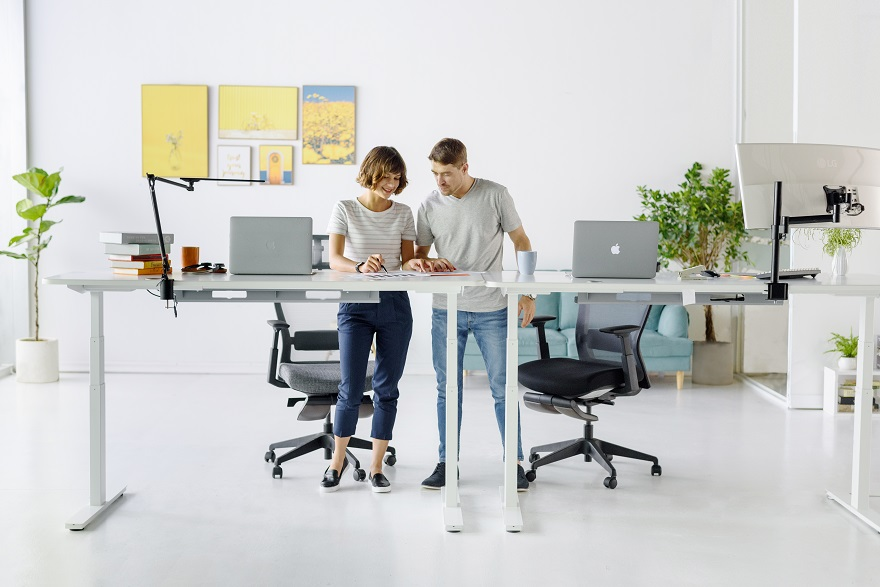 The Autonomous SmartDesk 2 Home Office