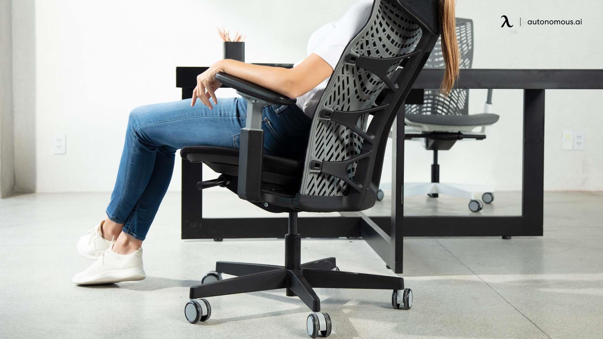 Ergonomic chair with armrest