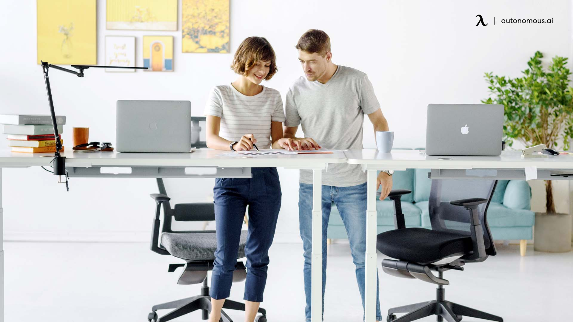 Mental benefits of ergonomic study desk