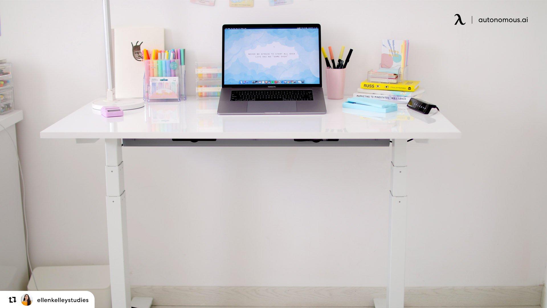 How to set up an ergonomic school desk