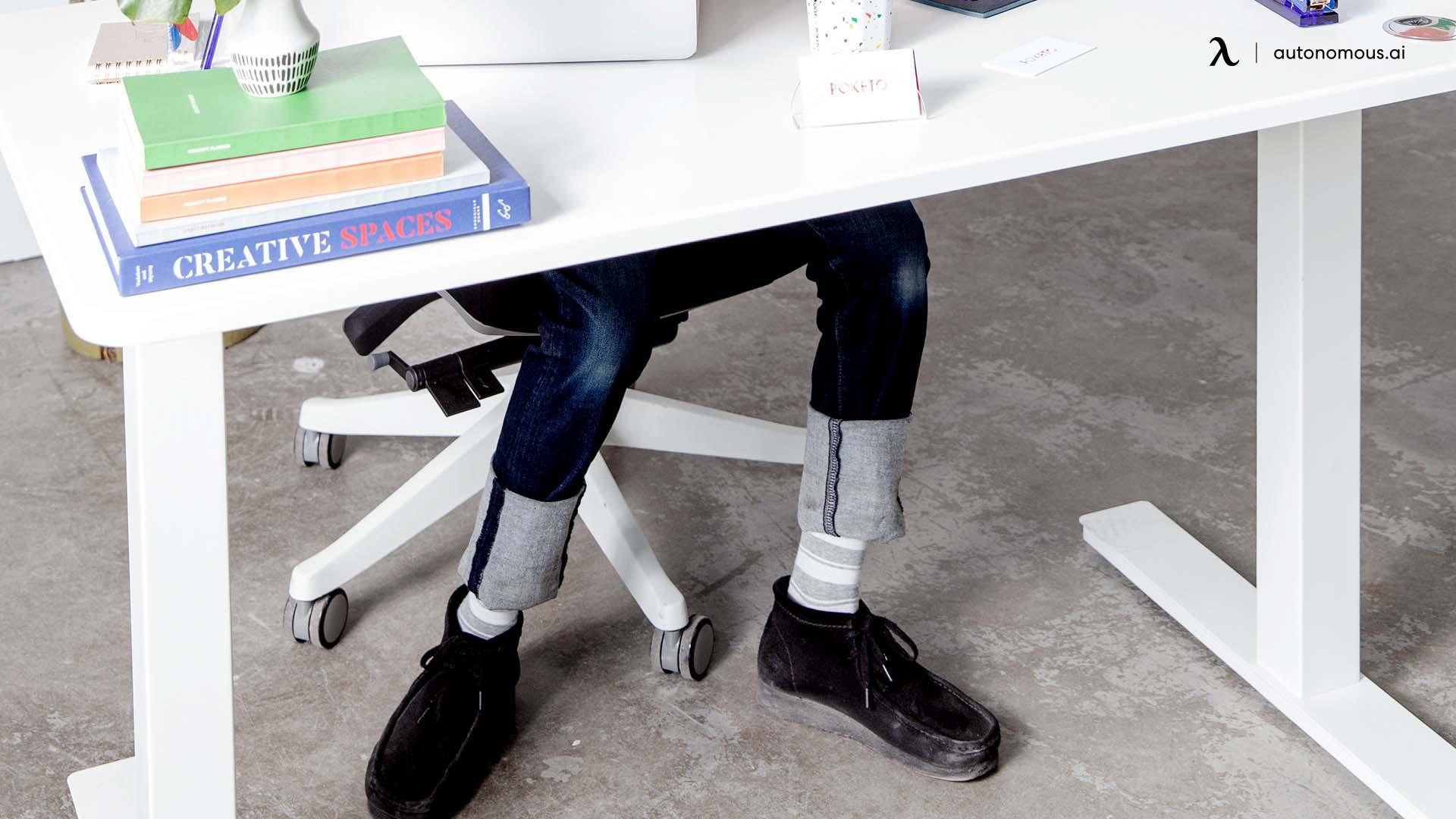 A Good Desk and Chair Setup