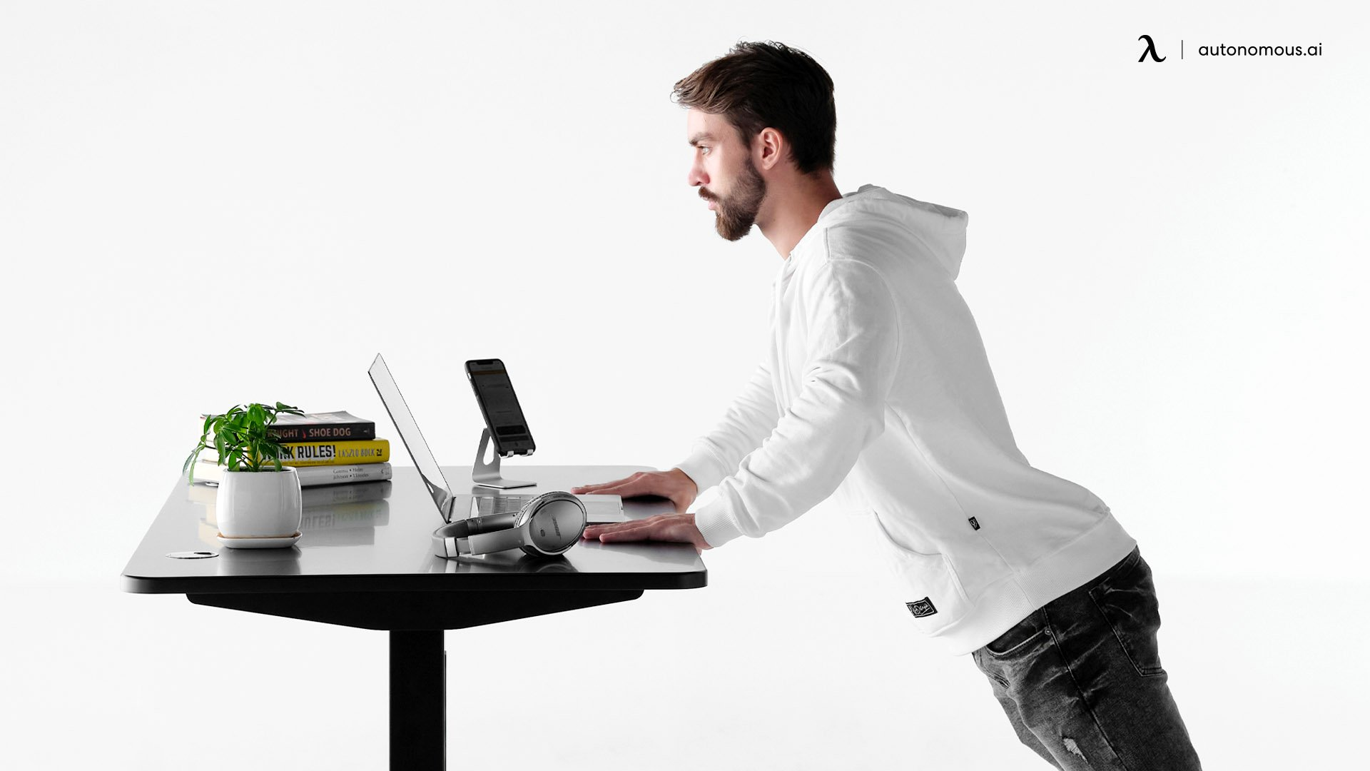 Weight capacity of standing desk