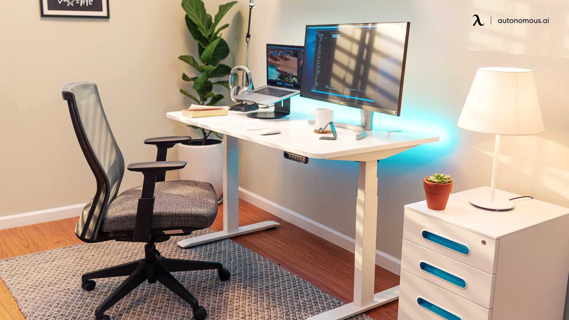 The SmartDesk 4 is one of Autonomous' newest inclusions