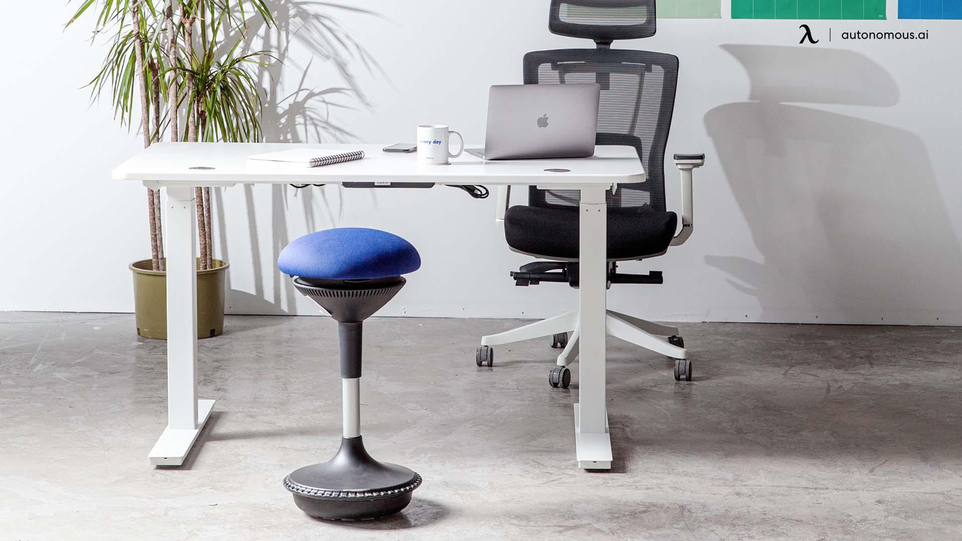 SmartDesk, Ergonomic Chair and Ergostool