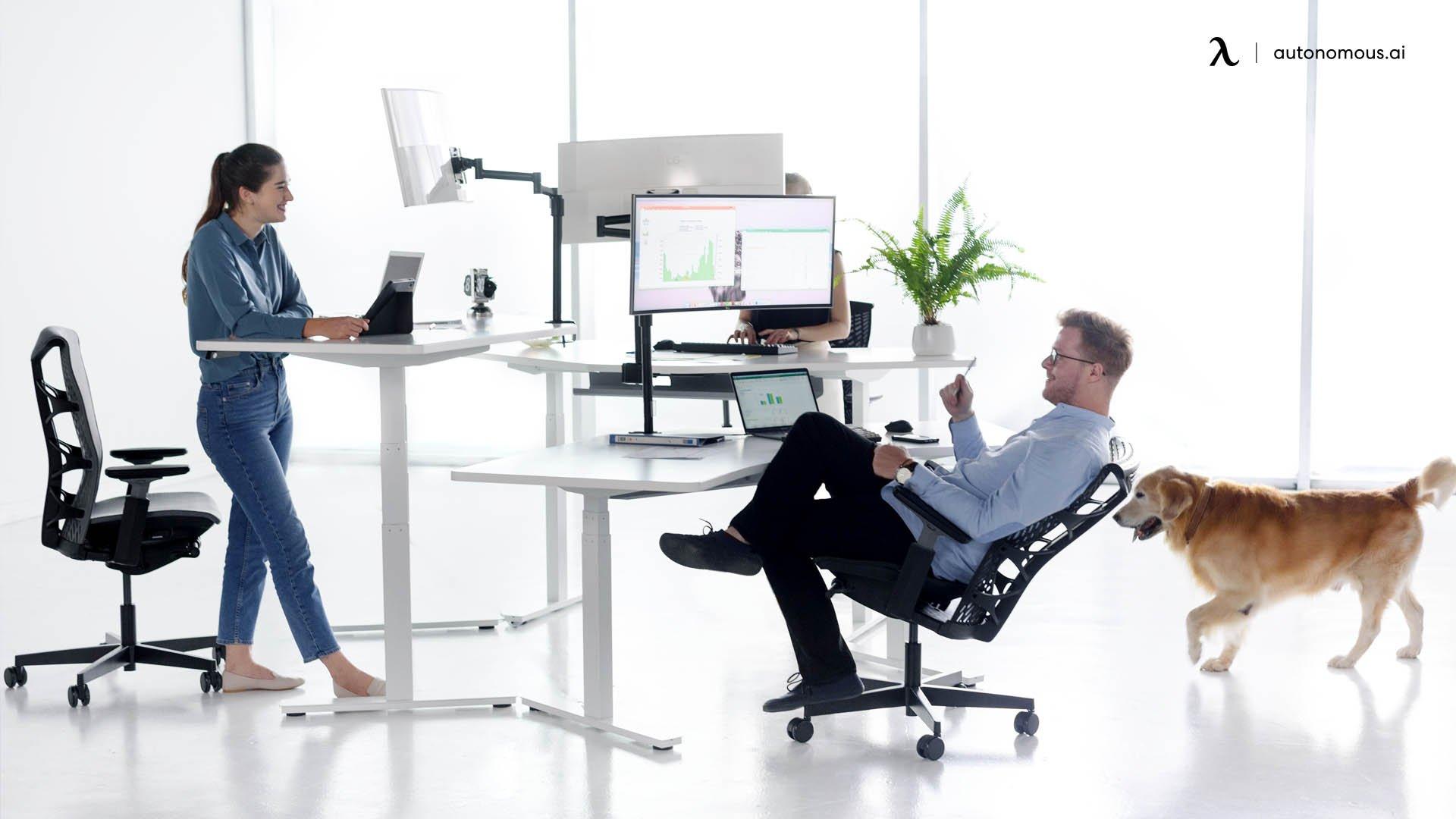 Understanding How Autonomous Standing Desks Benefit You