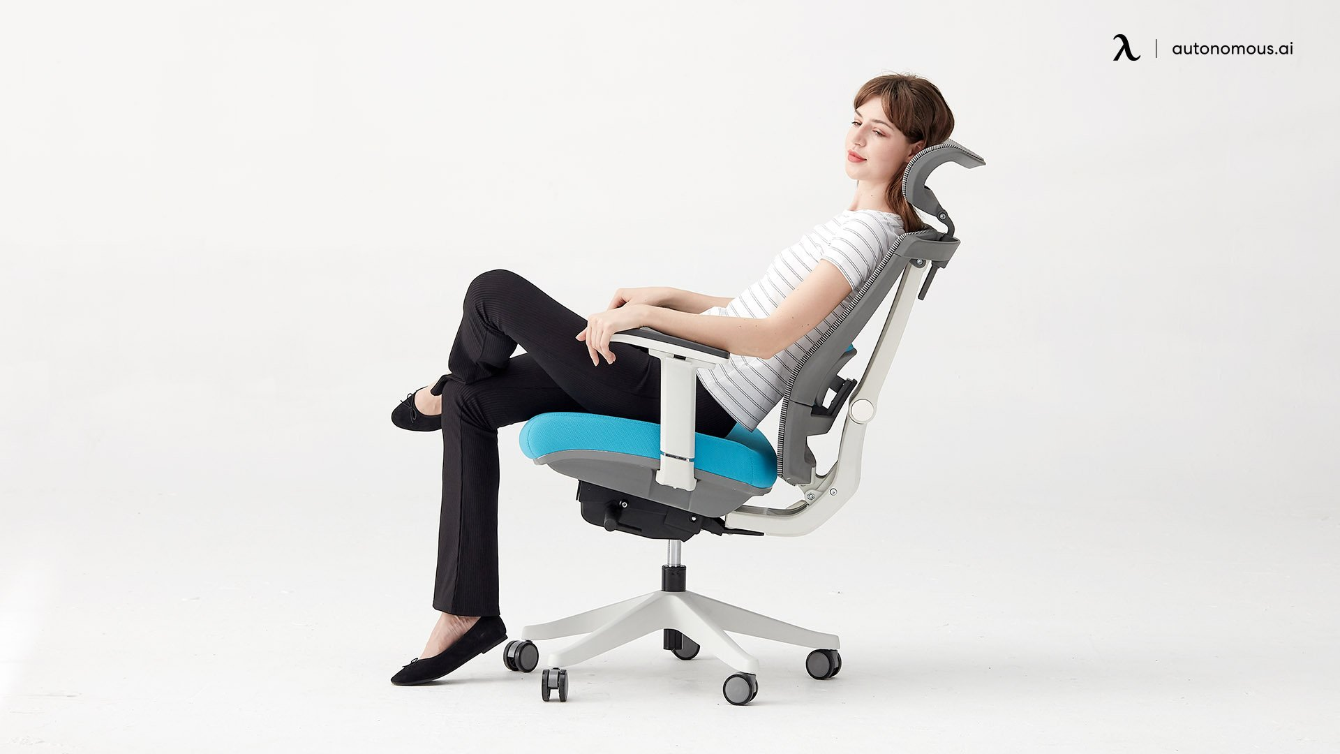 What Specifications Does the ErgoChair2 Have?