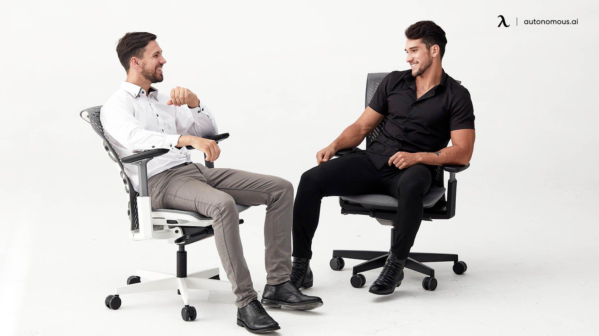 The adjustable armrest