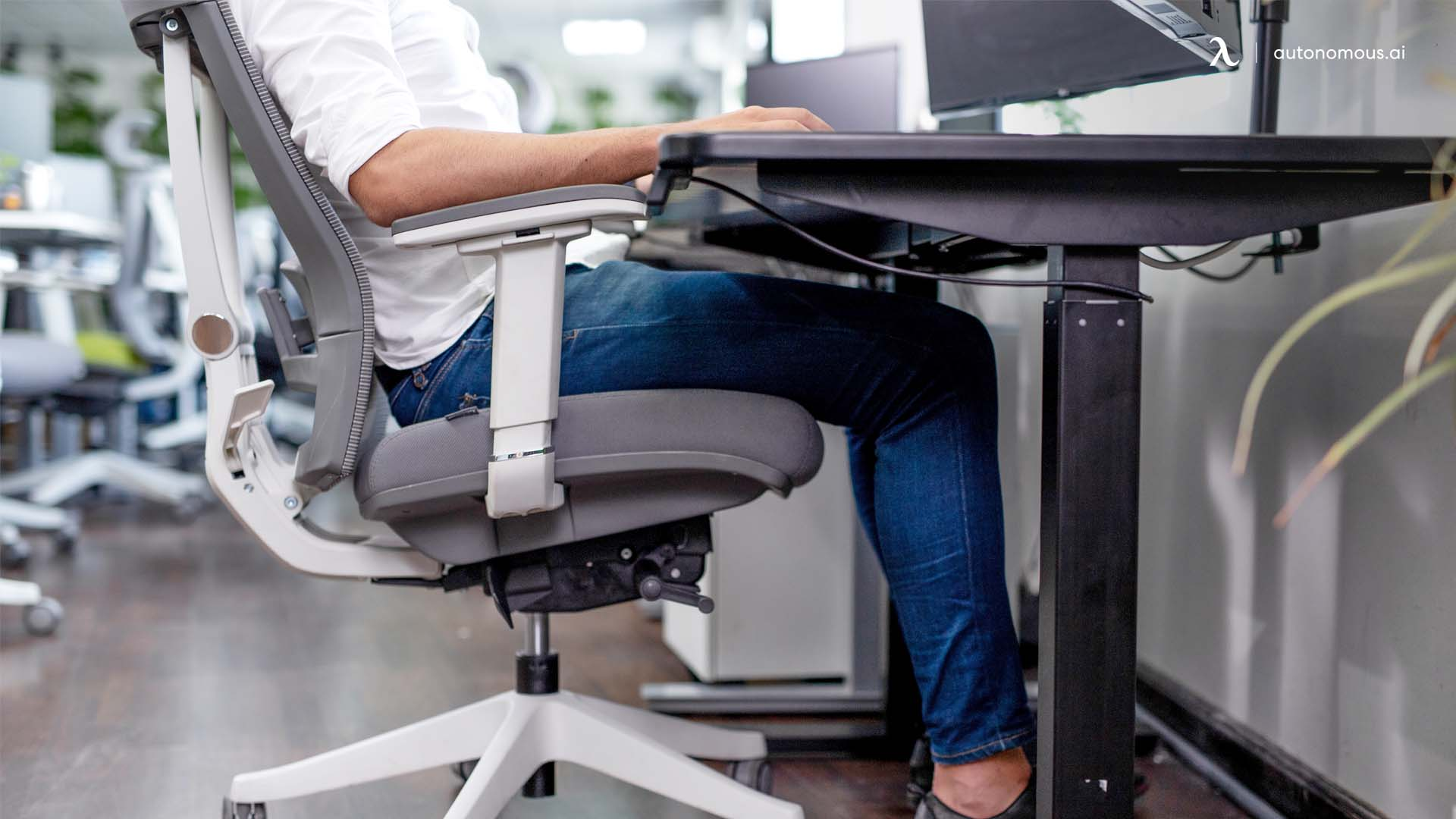 What is the Proper Sitting Posture While Writing?