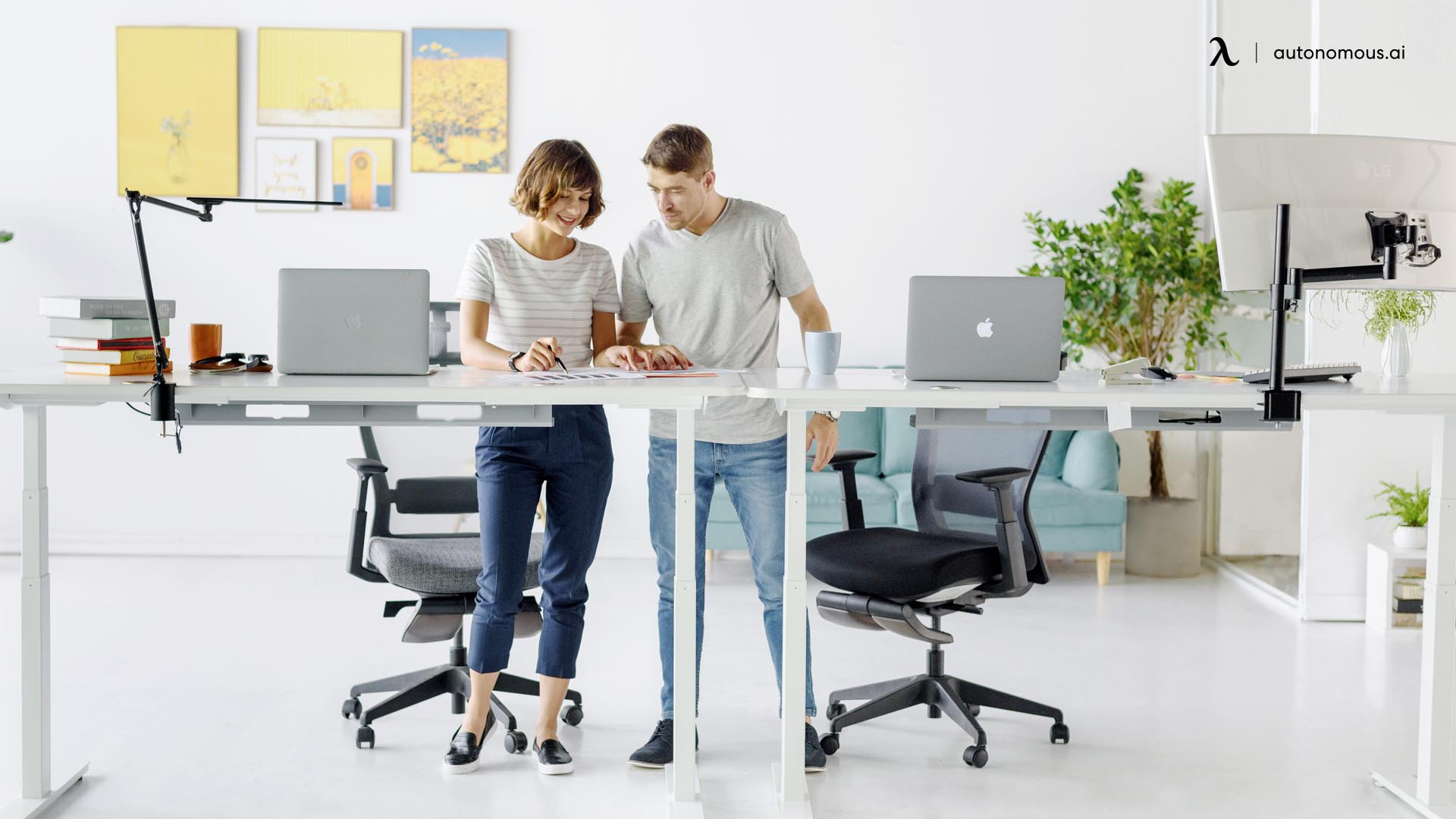 which is better for a standing desk, stool or chair?
