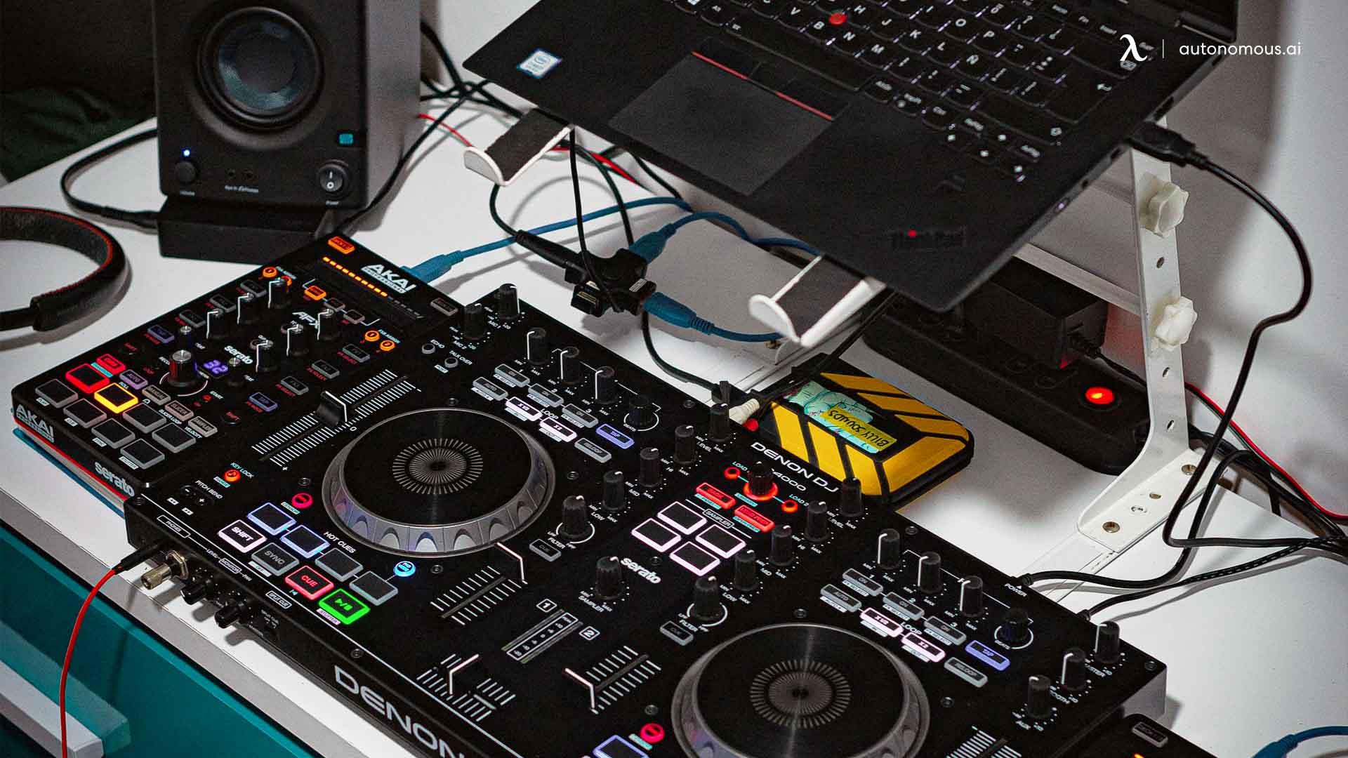 Why Should You Pick a White Recording Studio Desk?