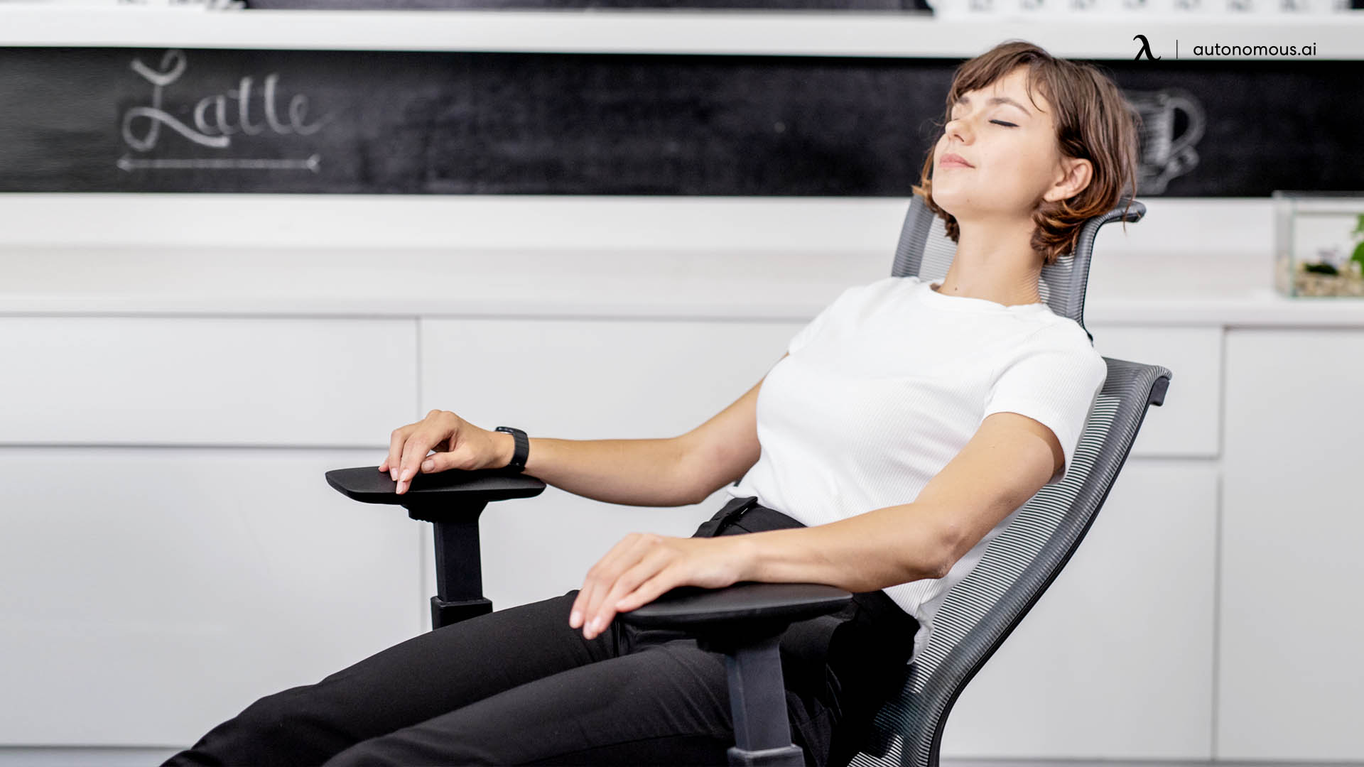 Ergonomic office chair with posture support