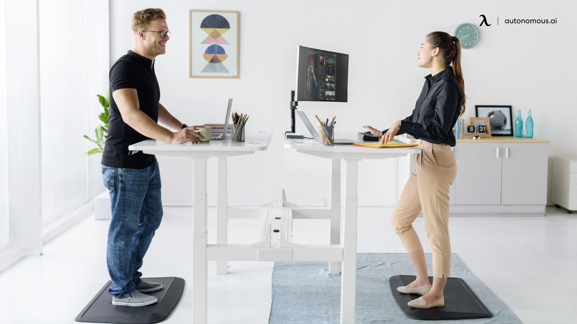 Pros & Cons of a Standing Desk
