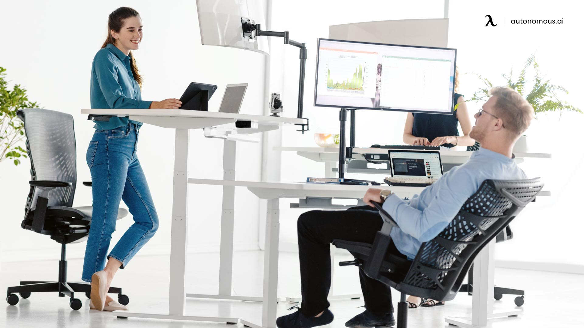 Creating a Balance with The Help of a Standing Desk
