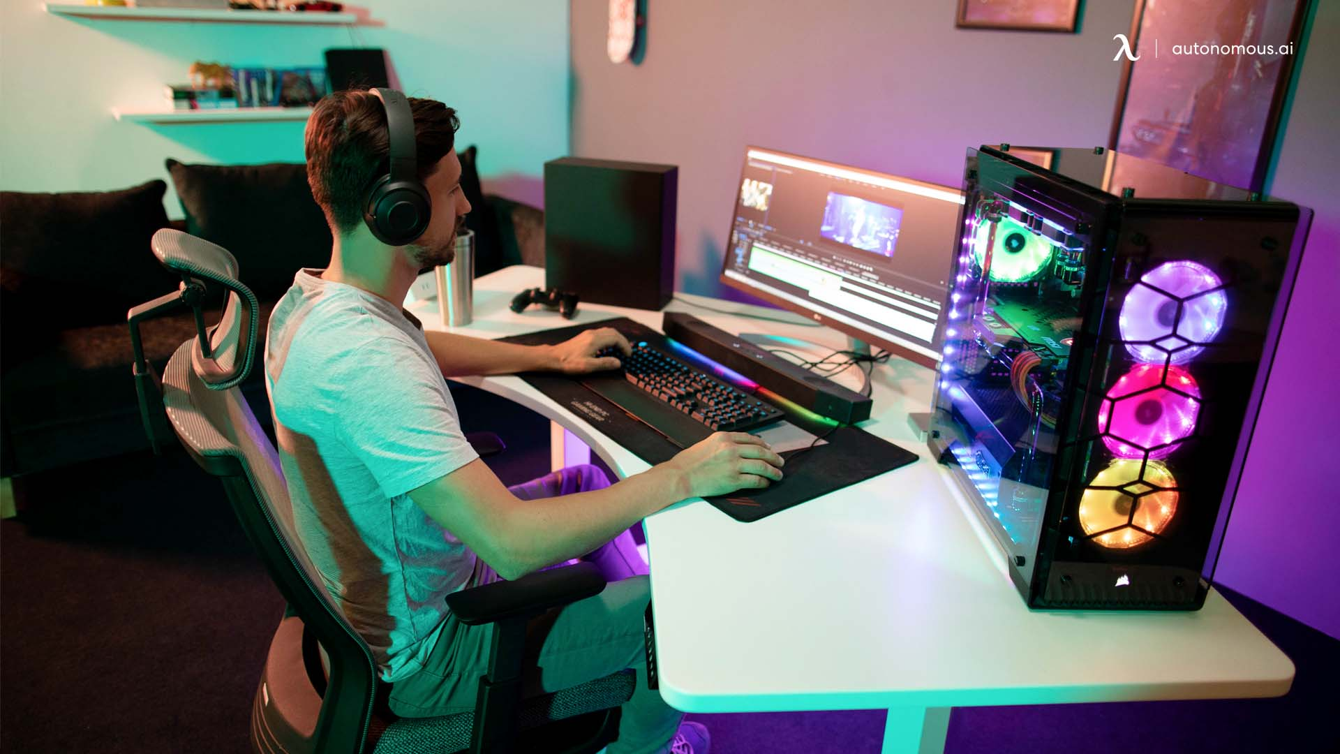 Pros & Cons of a Sit Stand Desk Gaming