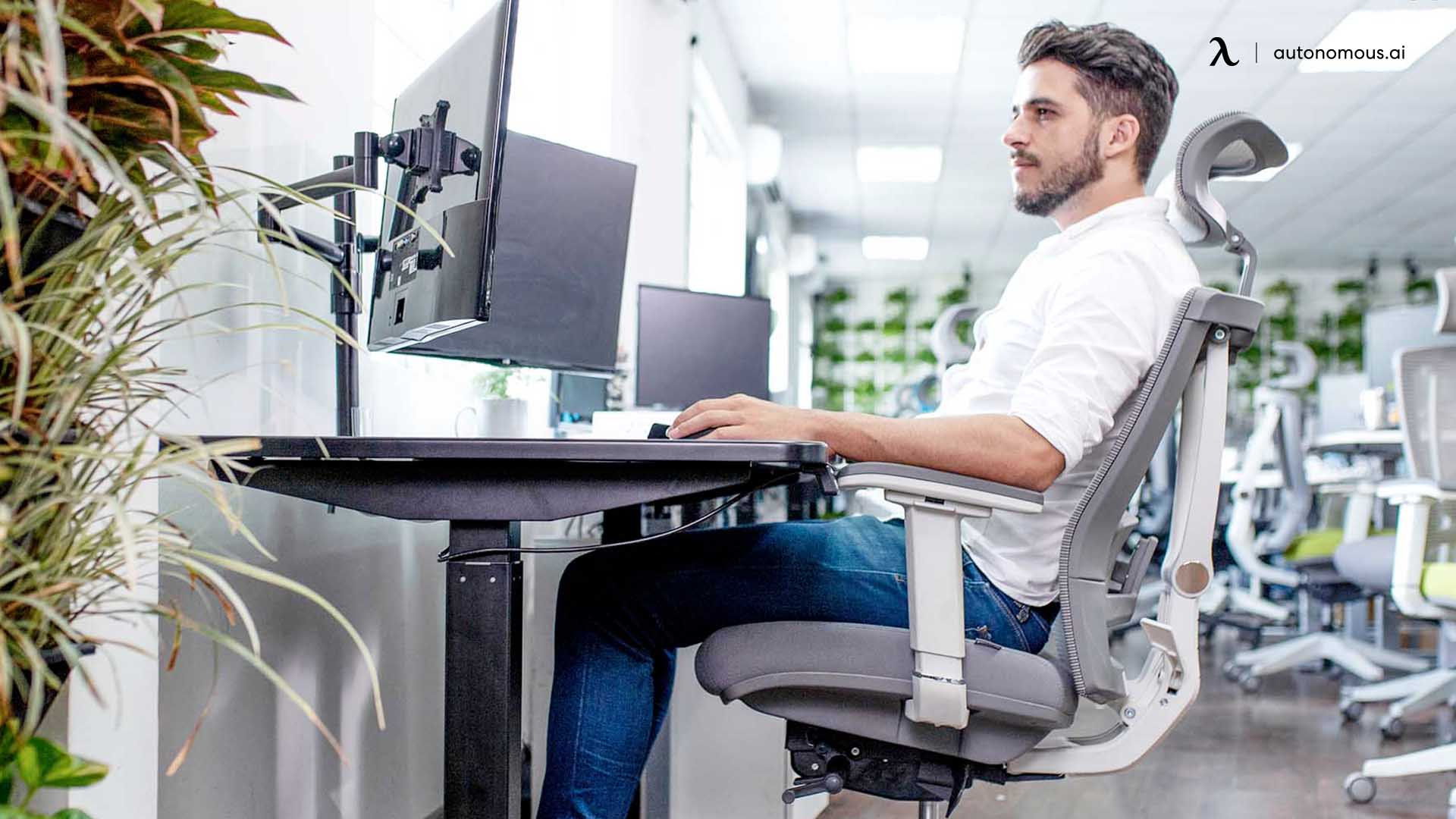 How Do You Sit Properly in an Ergonomic Chair for Upper Back Pain?