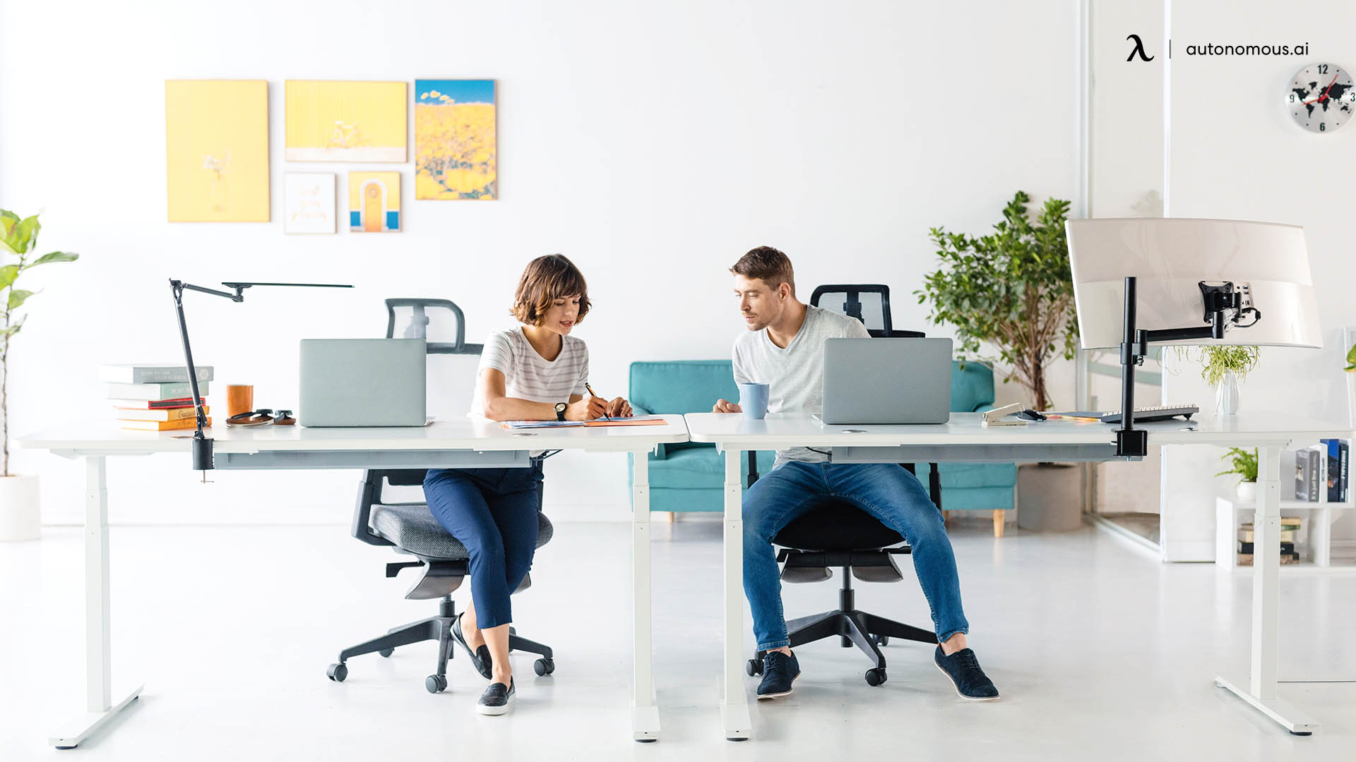 Choosing ergonomic chair with headrest for office