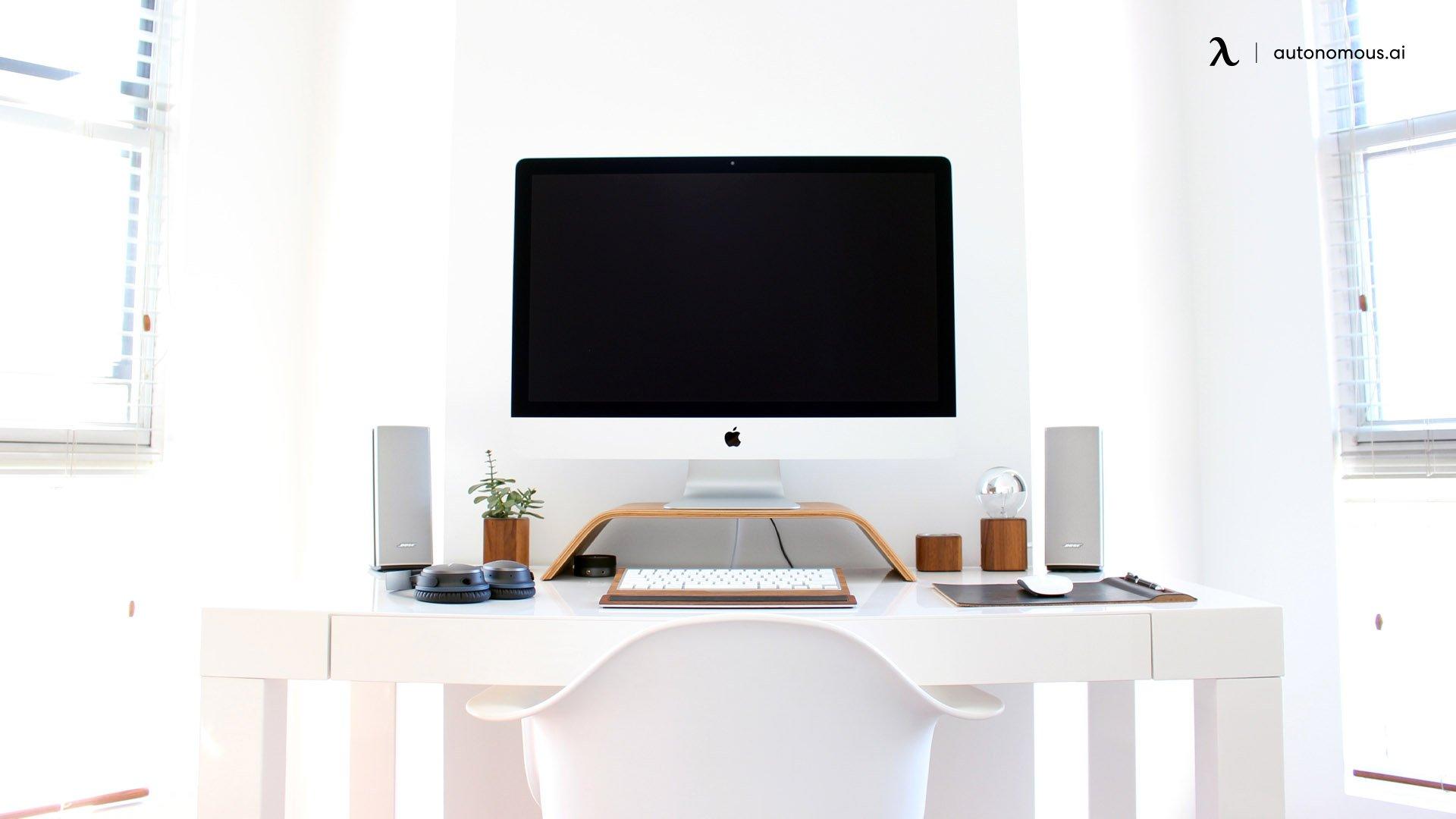 Keep it White - Home Office Design Idea 2021