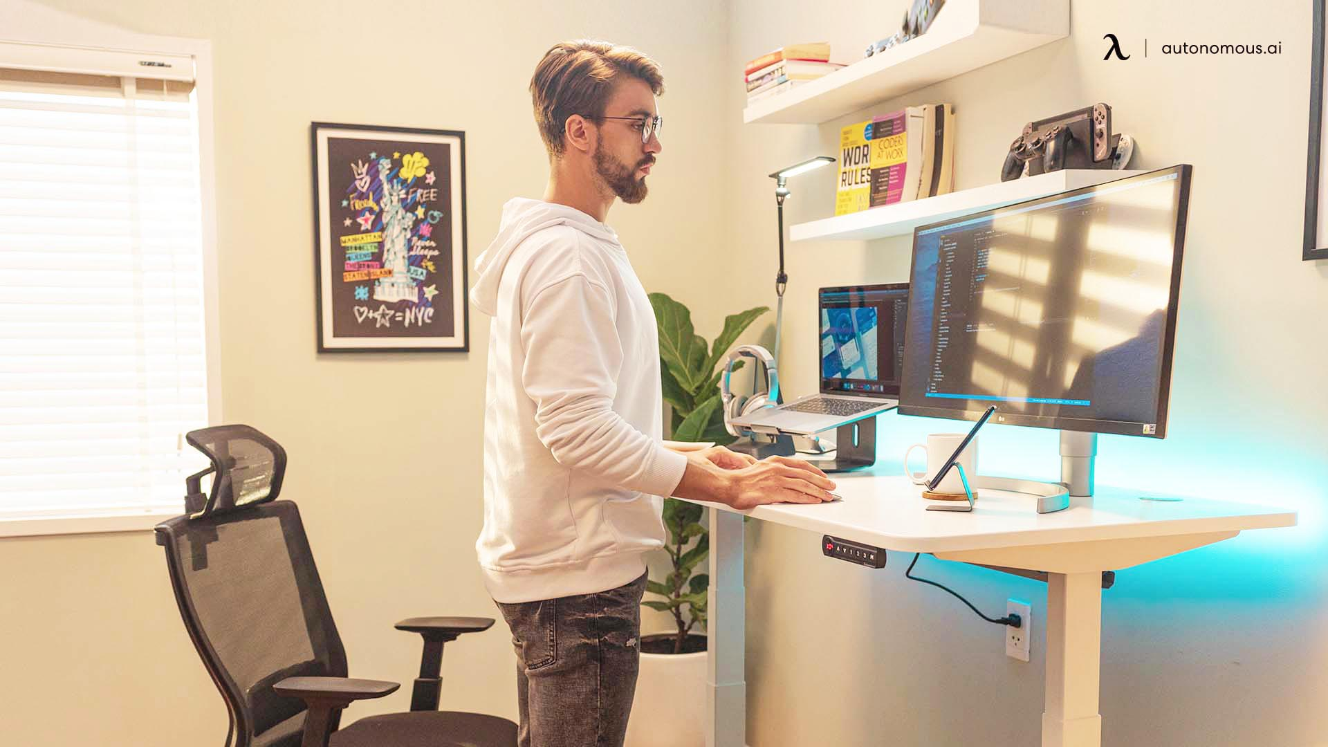 Adjusting to a Standing Desk