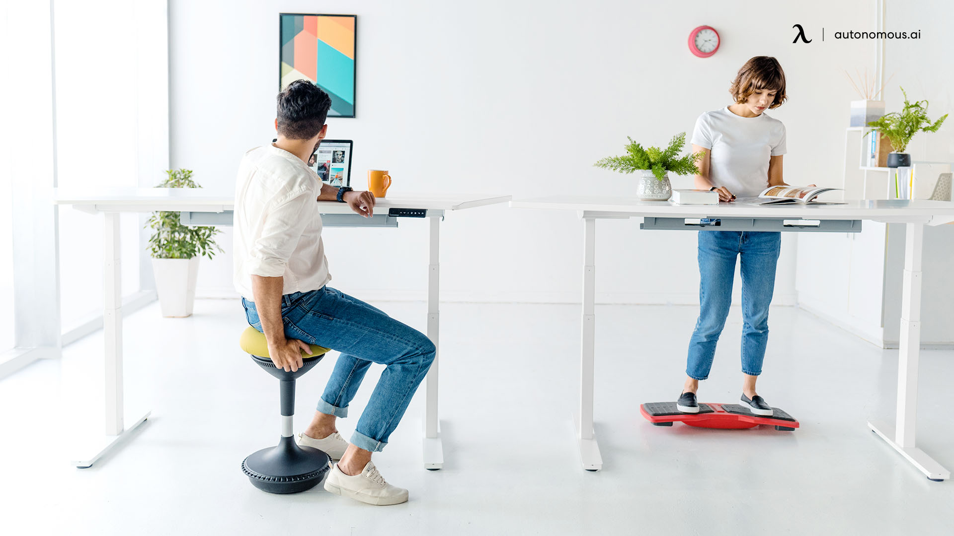 Are Ergonomic Stools Comfortable to Use with a Standing Desk?
