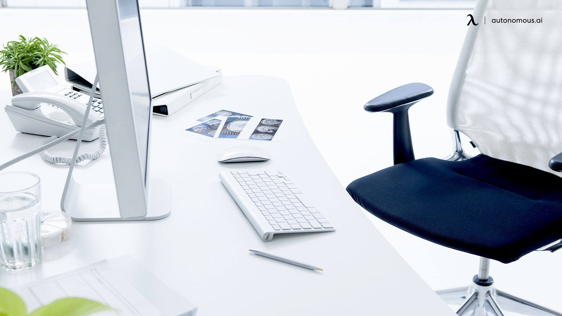 Why Should You Clean Your Office Desk?