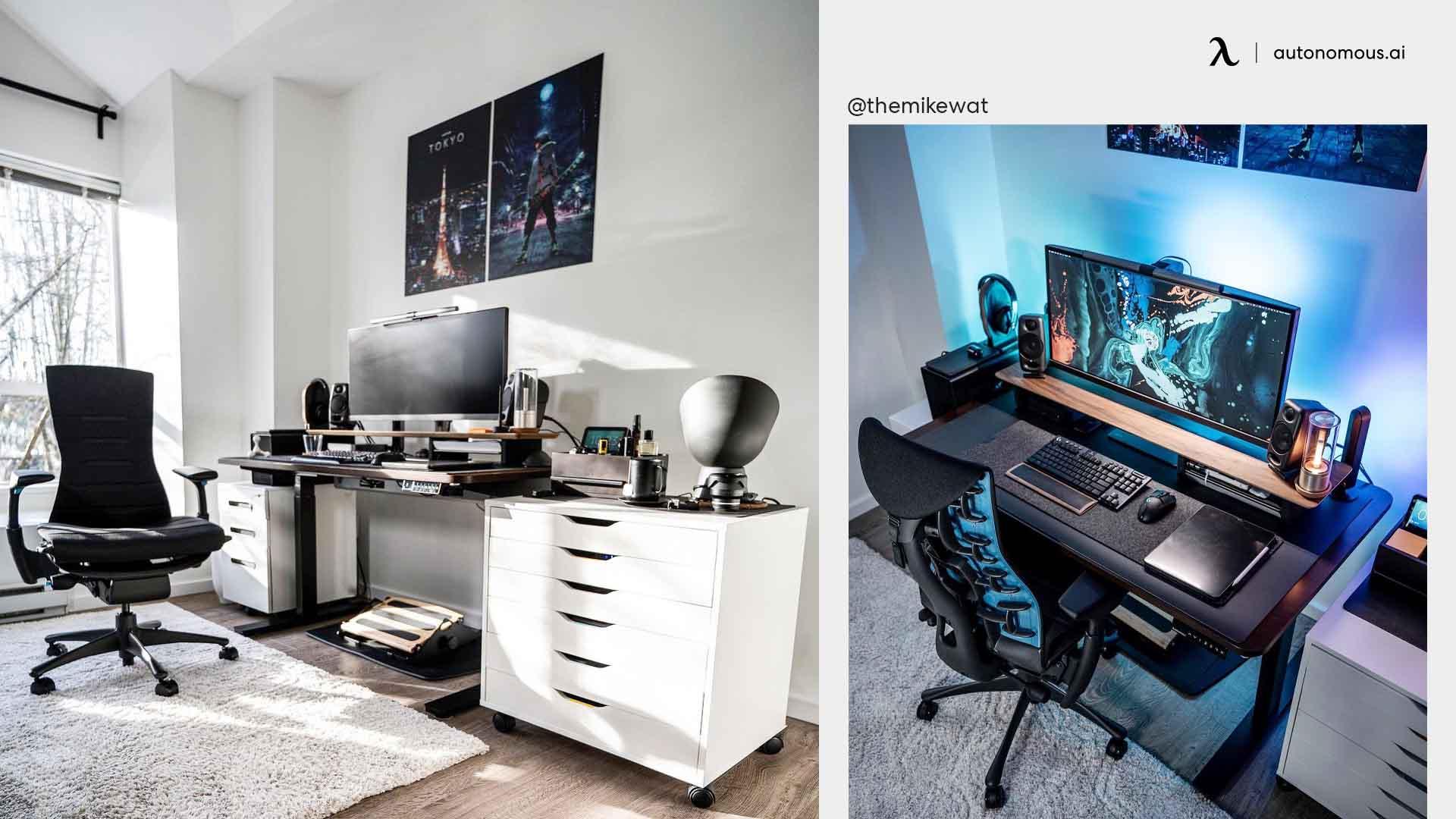 Dark Minimal Desk Setup