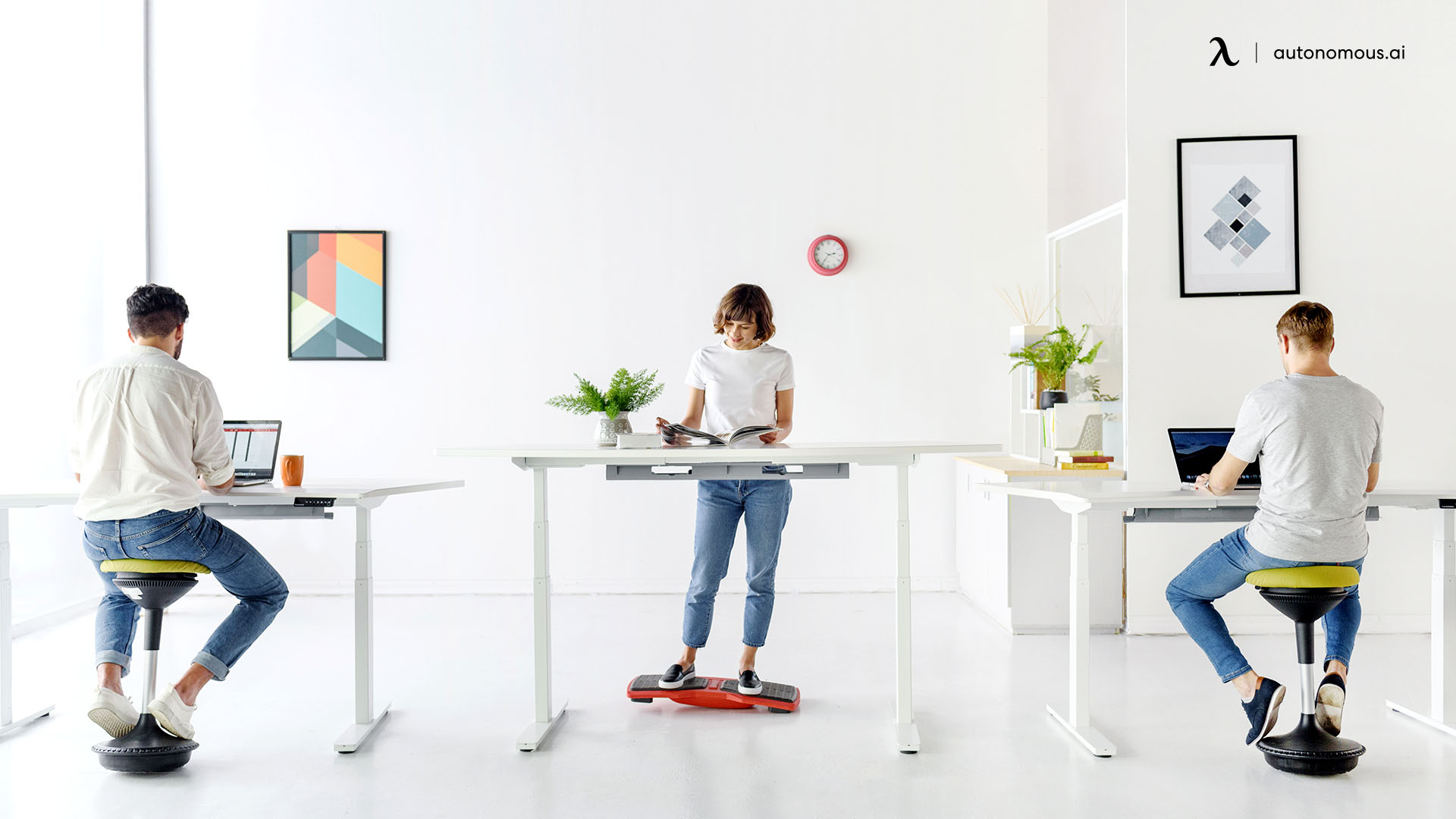 What are the Pros and Cons of an Ergonomic Standing Workstation?