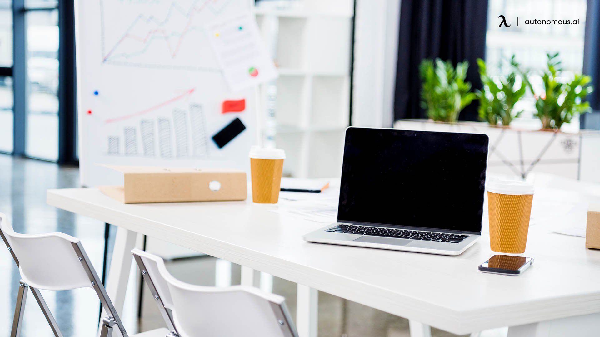 Why Use White As A Workplace Color?