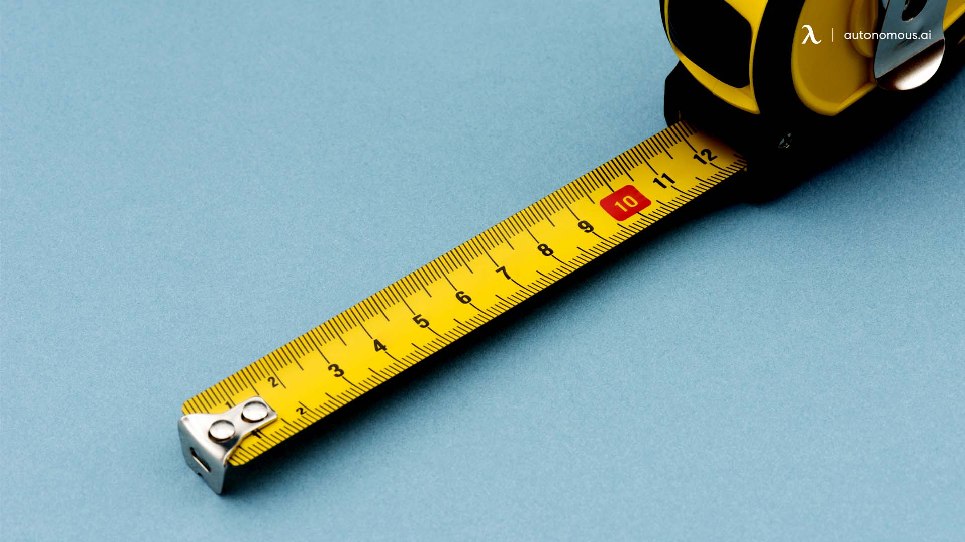 How Do You Measure an Office Desk?