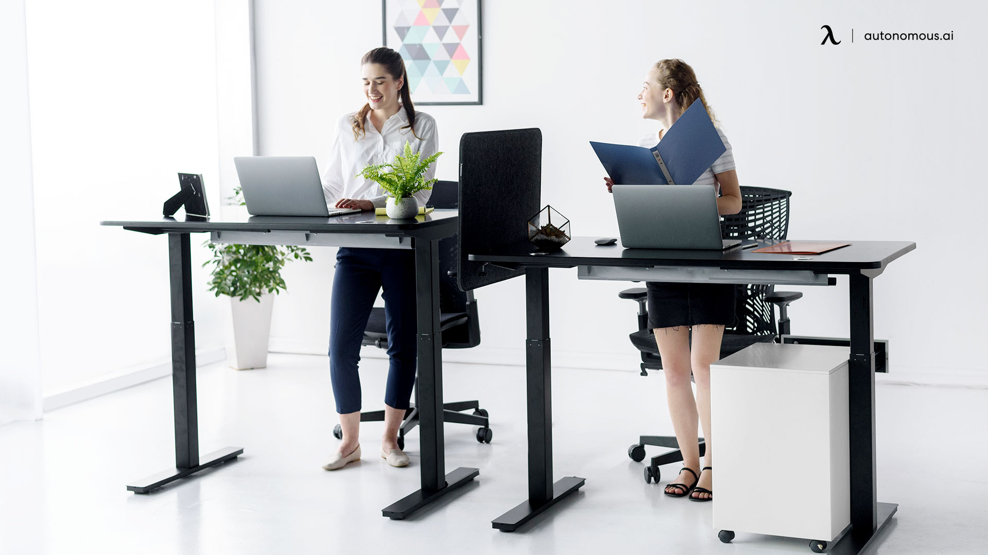 What is a Motorized Standing Desk?