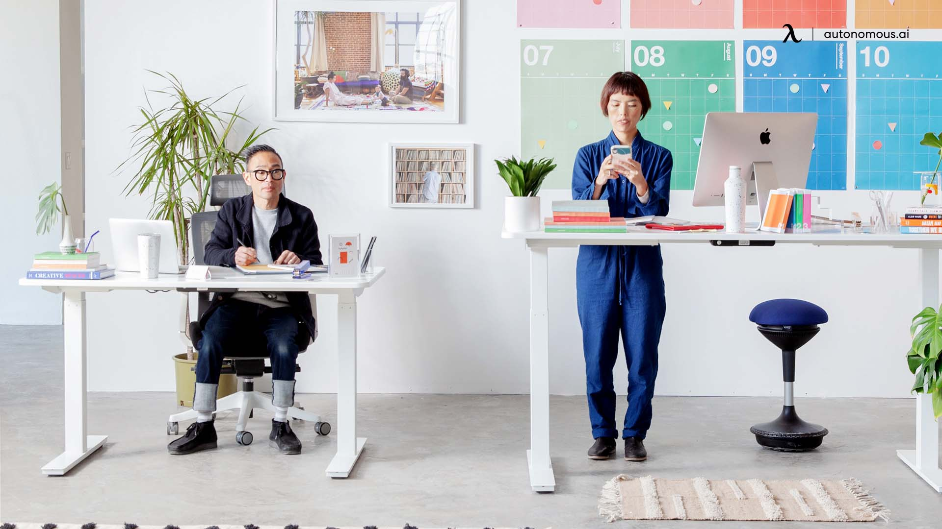 How to choose a perfect standing desk stool