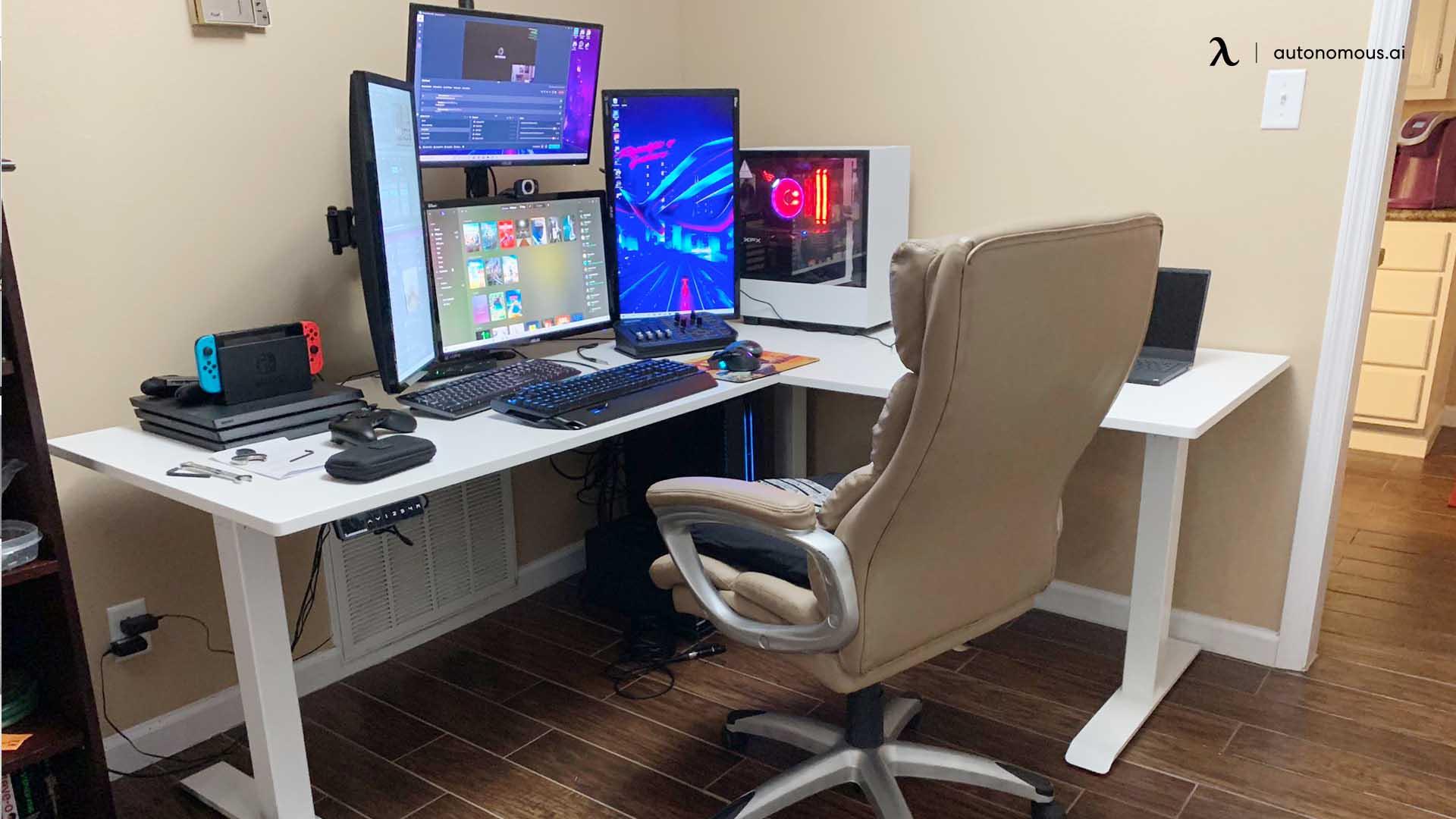 Office Desk in Bedroom Corner