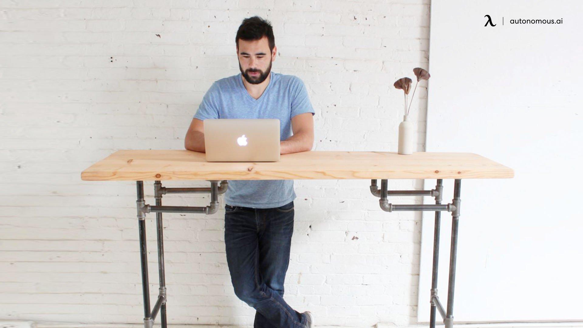 An industrial steel pipe DIY standing desk