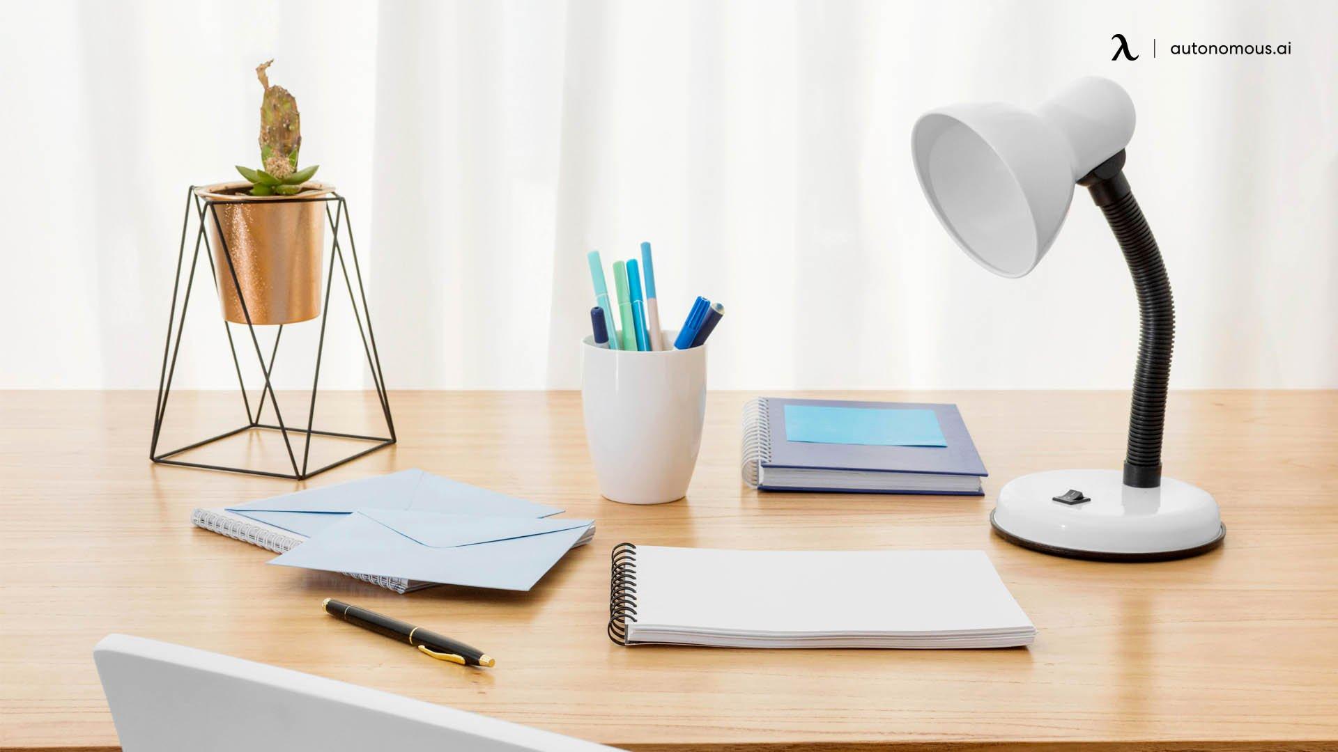 Best Desk Lamp for Eyes: Buying Guide
