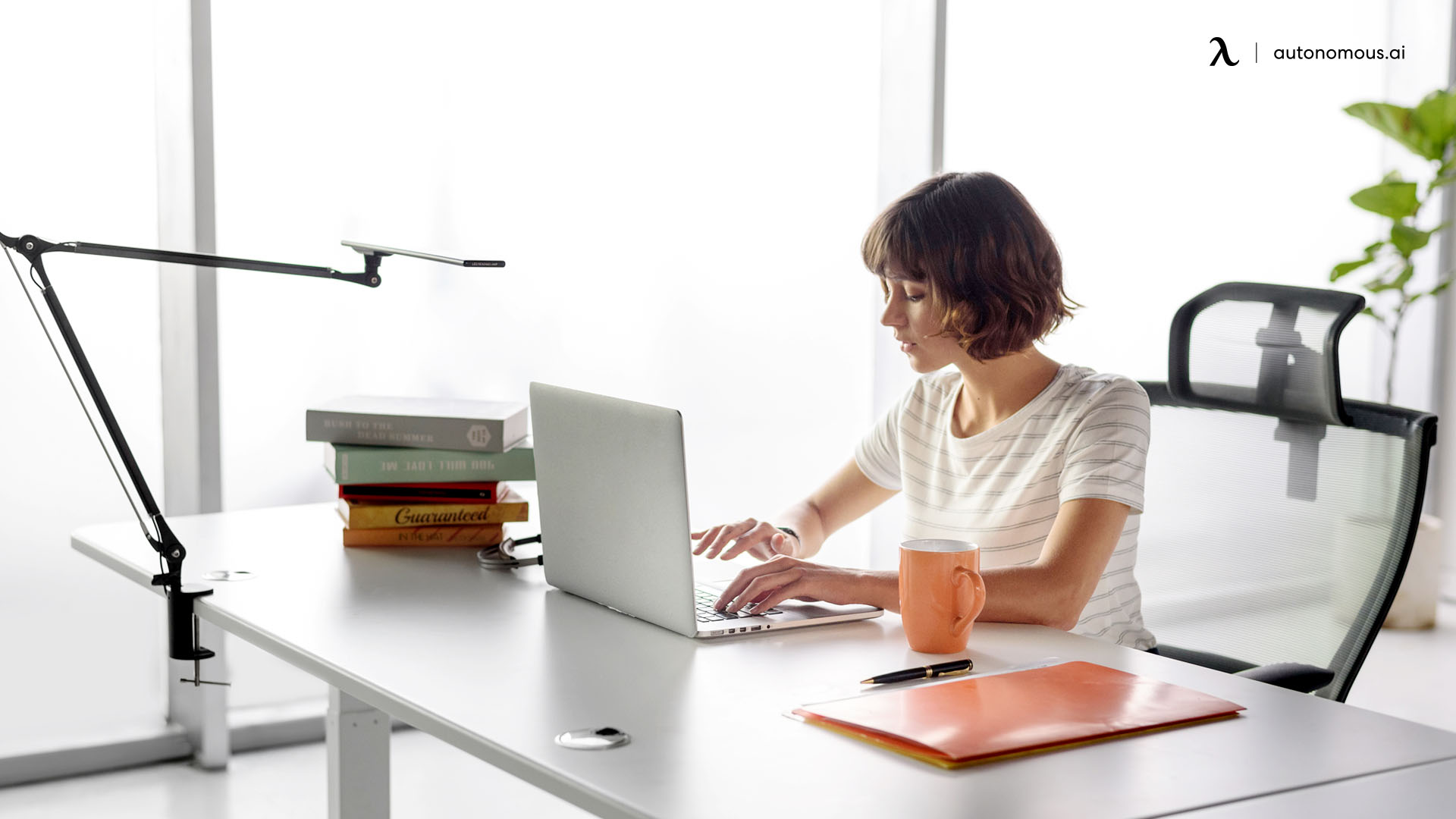 Special Considerations for Your Ergonomic Standing Desk Position When Using a Telephone