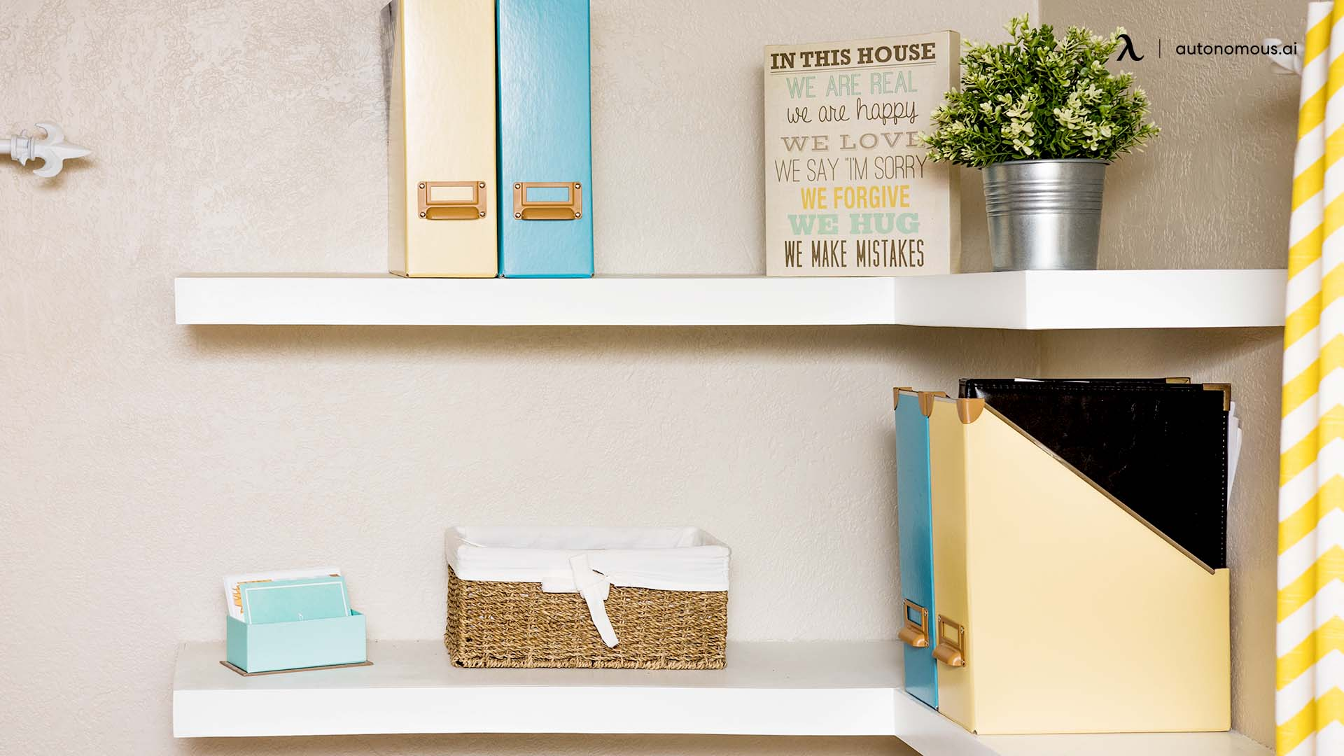11 Fantastic Ideas to Decorate a Home Office Wall