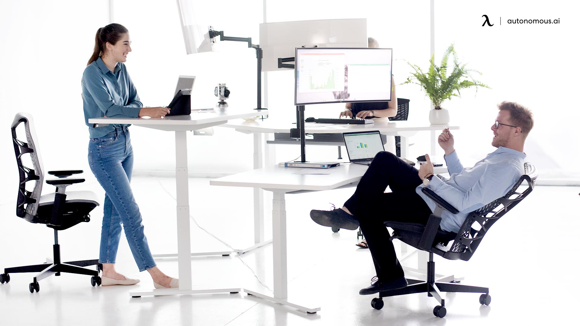 Common Posture Mistakes of Standing Desk Posture