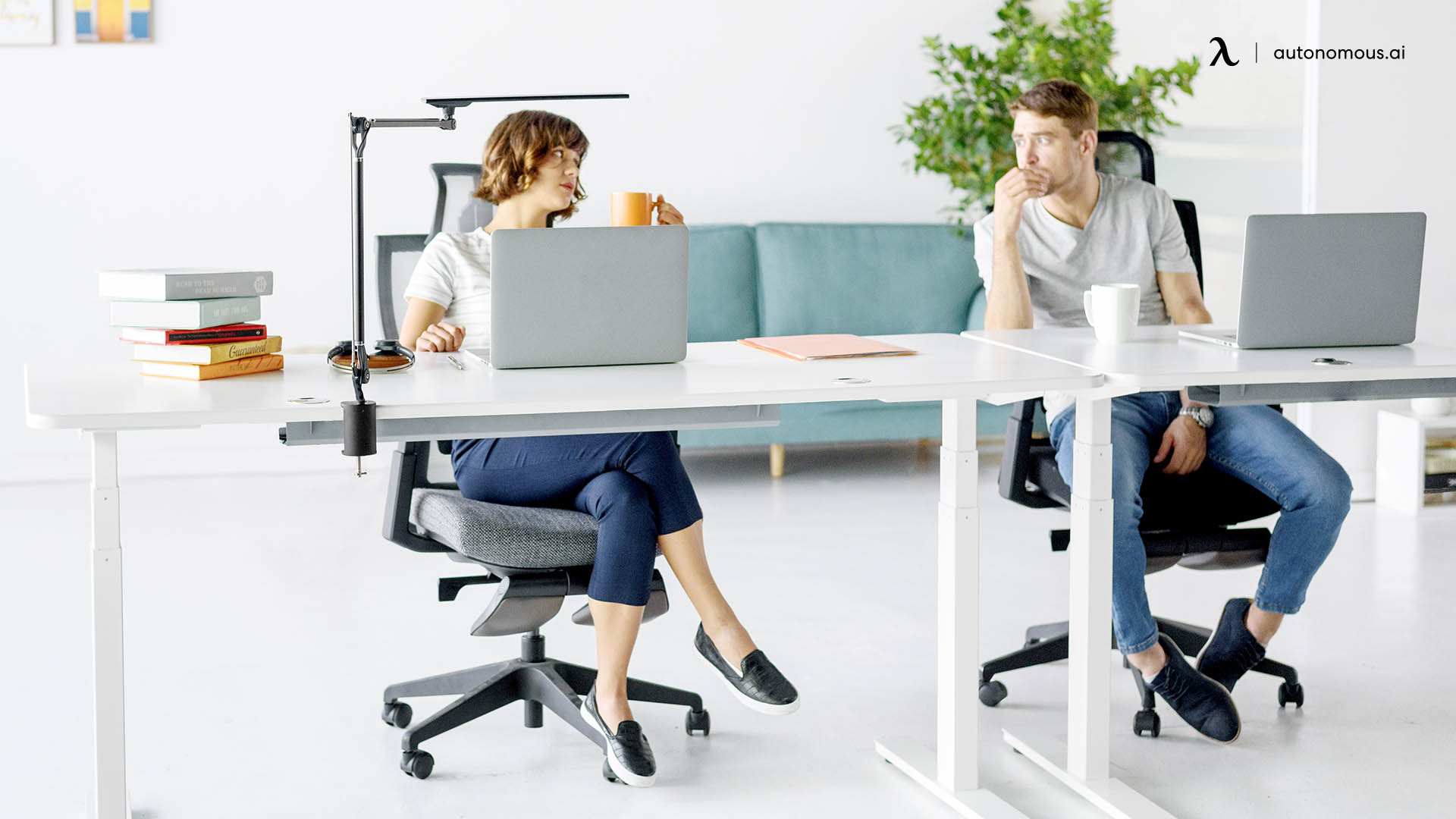 Ergonomic chair to take rests