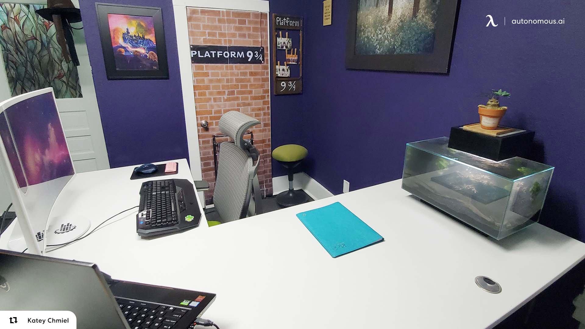 L-Shaped Desk by Autonomous