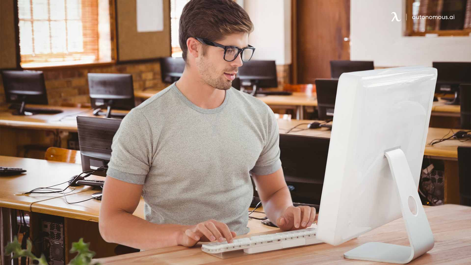 How to use a laptop with a standing desk