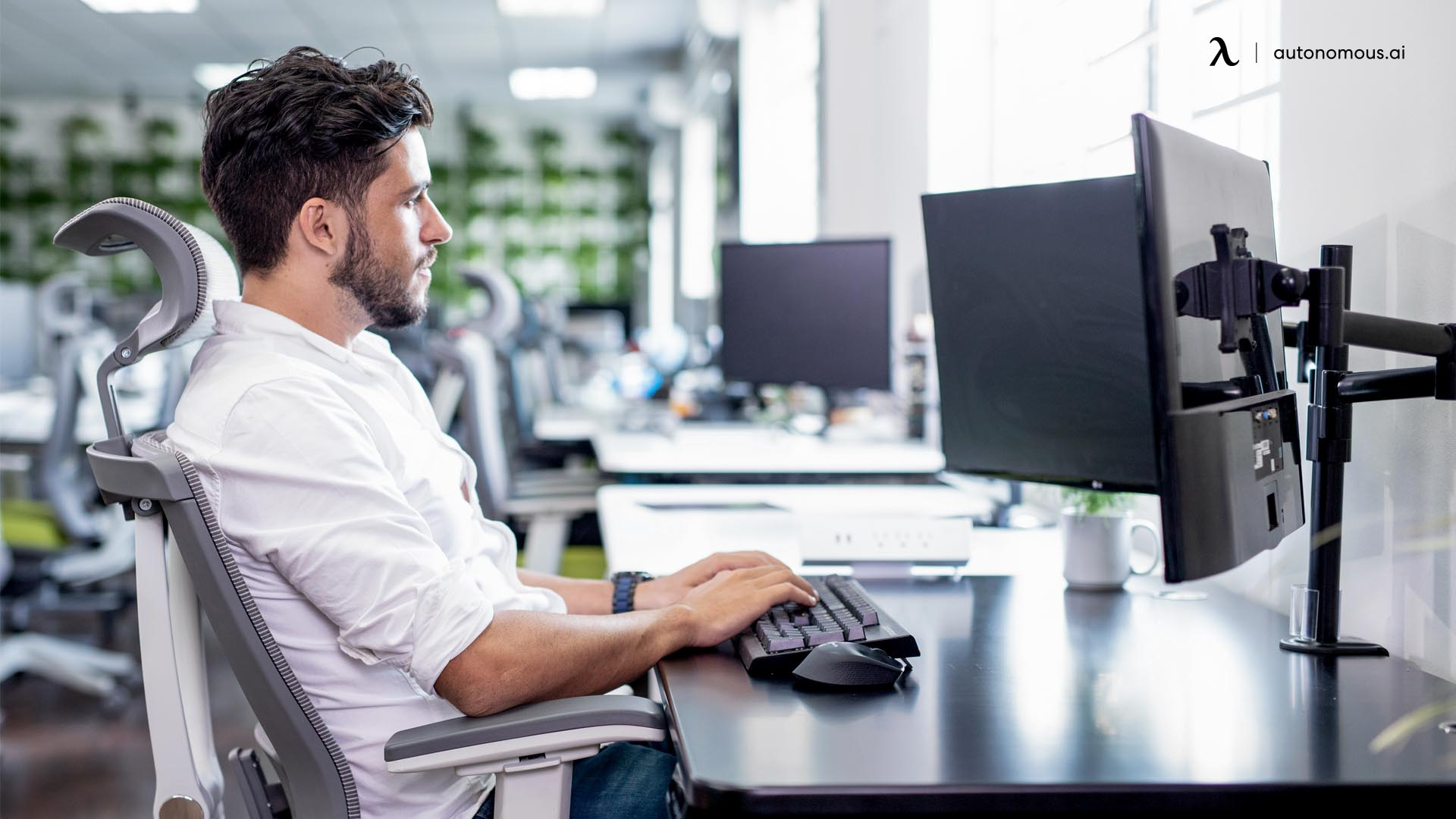 How to Position Your Computer Screen and workstation correctly