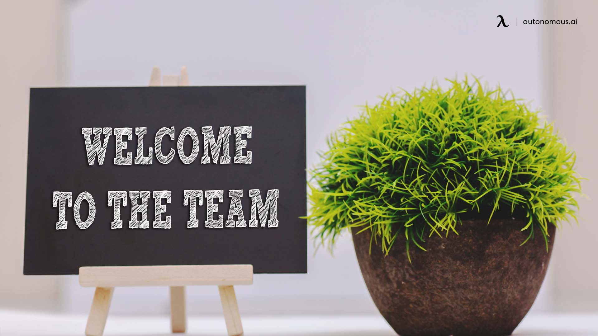 Send a first-day welcome announcement to the company