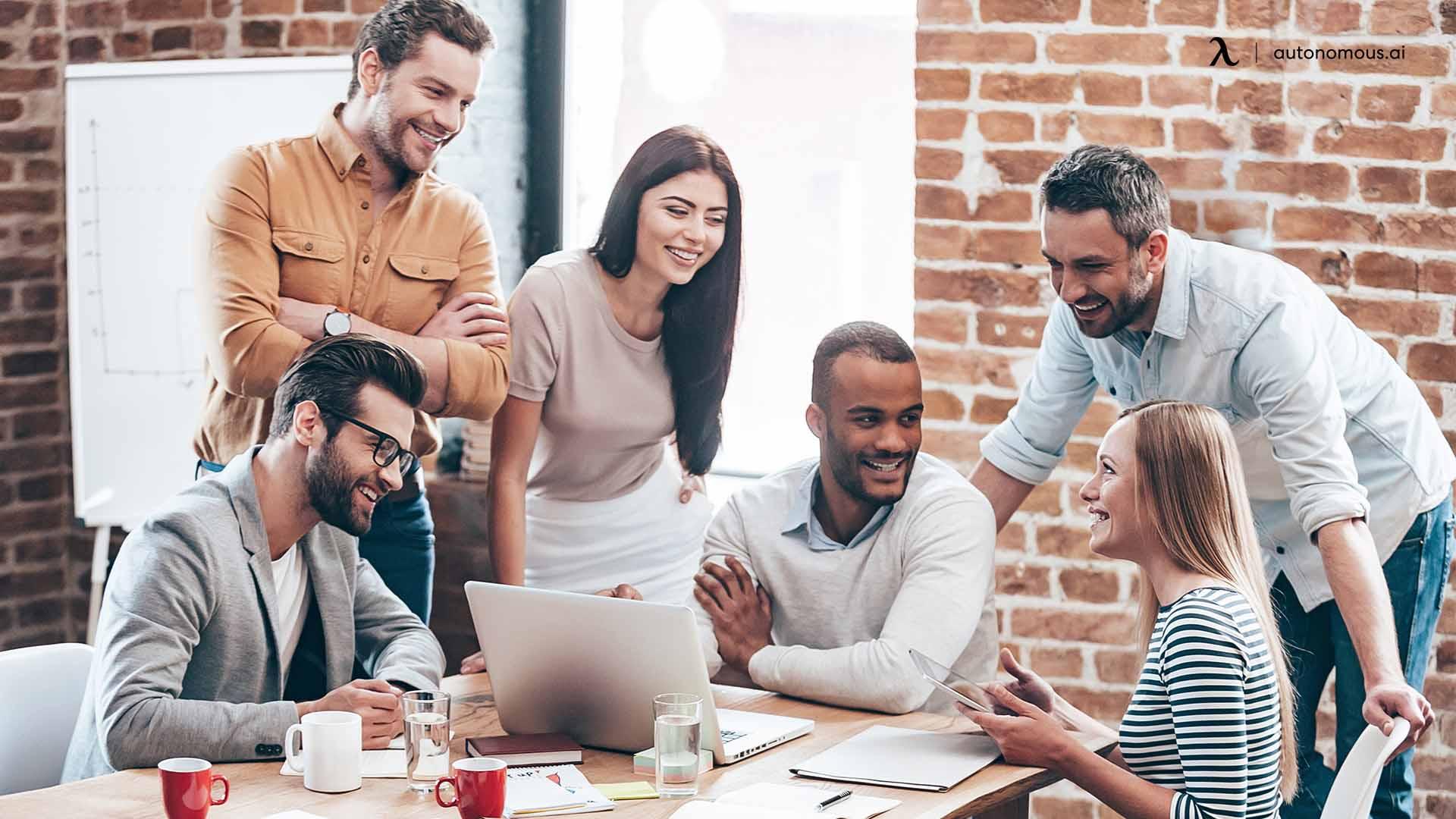 Benefits of Individual Social Awareness to a Group
