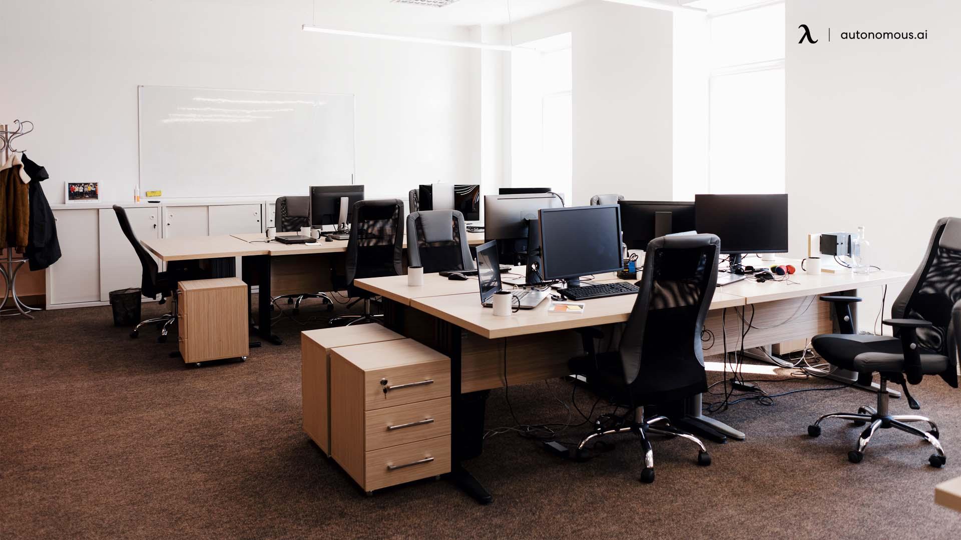 Short Hot Desking Definition