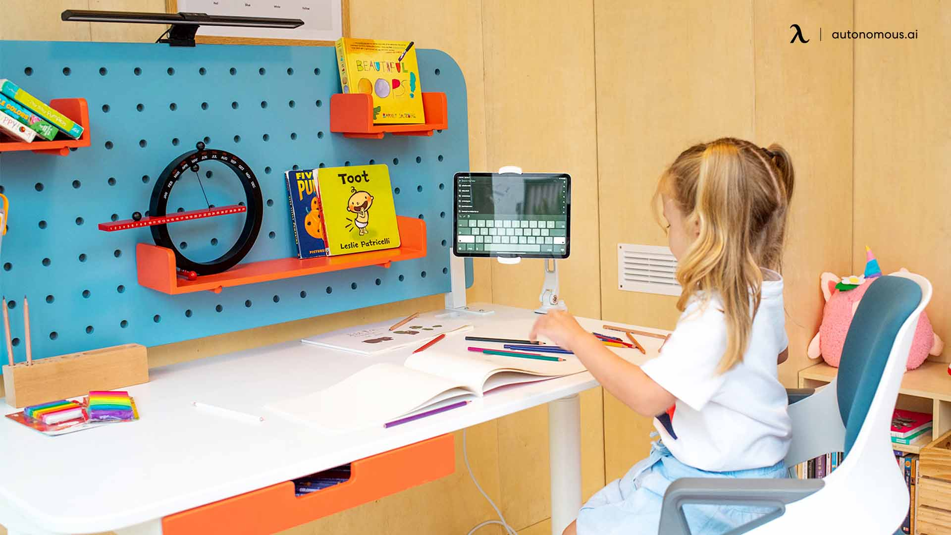 What Should You Consider When Buying a Desk for Your Children?