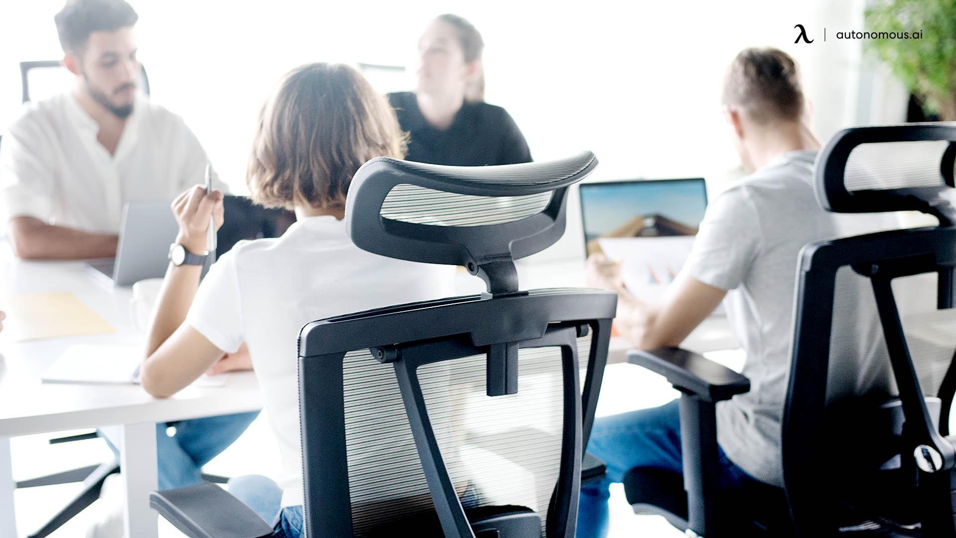 Fours Reasons to Choose a Black Ergonomic Mesh Chair