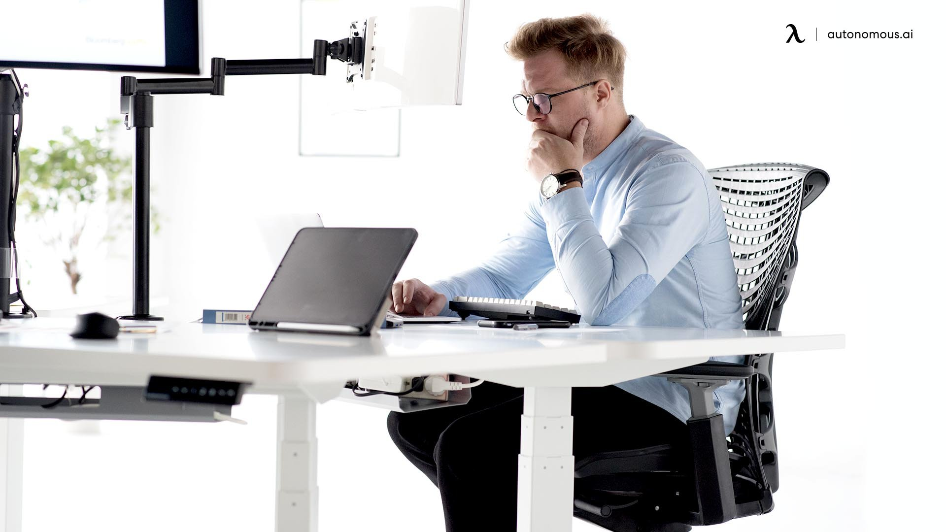 What to Look for in a Big Office Chair