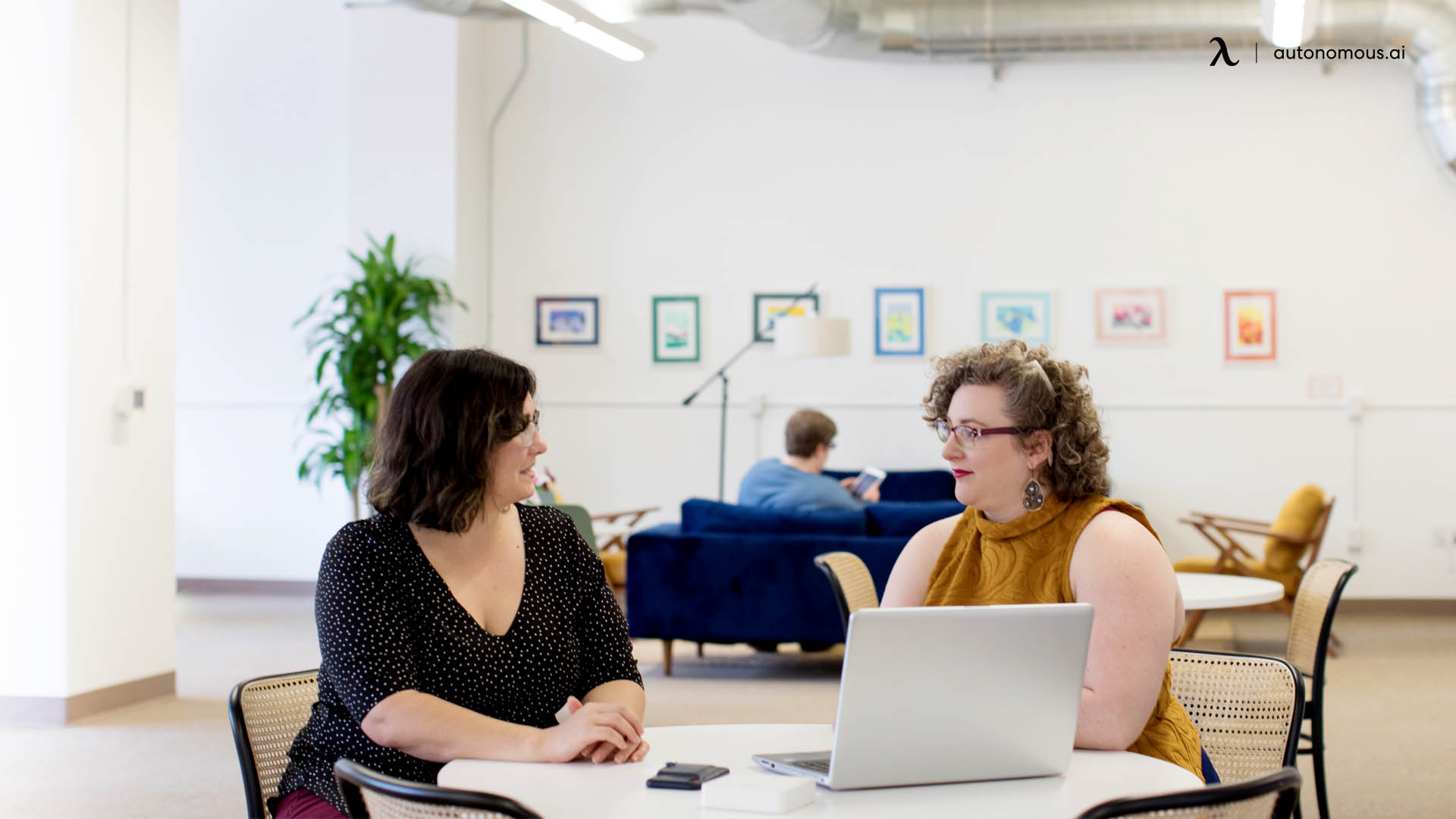 What Are the Benefits of Collaborative Office Space?