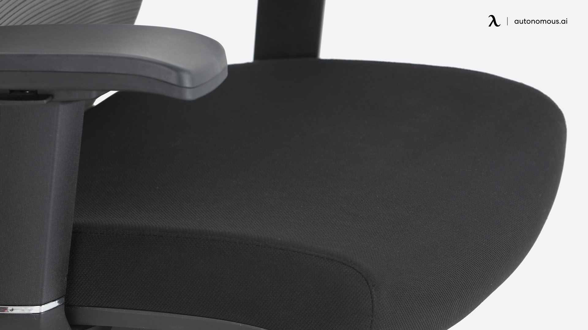 Seat width and depth
