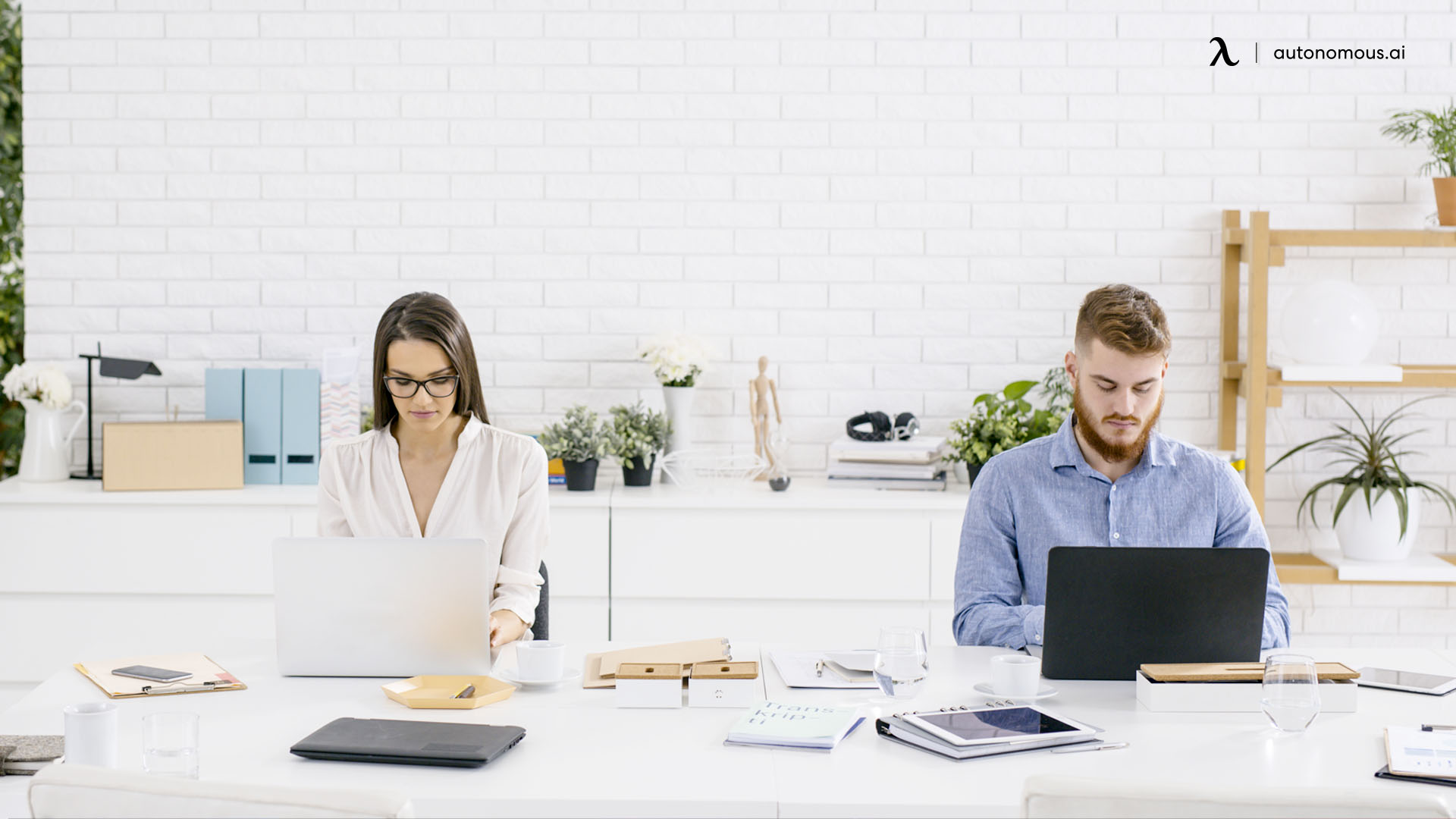 How to Manage a Hybrid Team Correctly